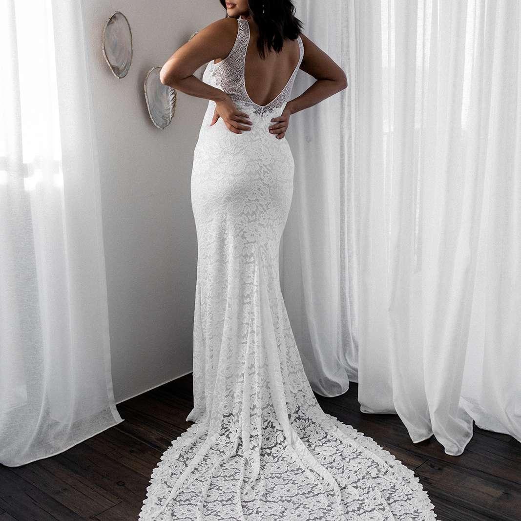 Gia sleeveless lace wedding gown