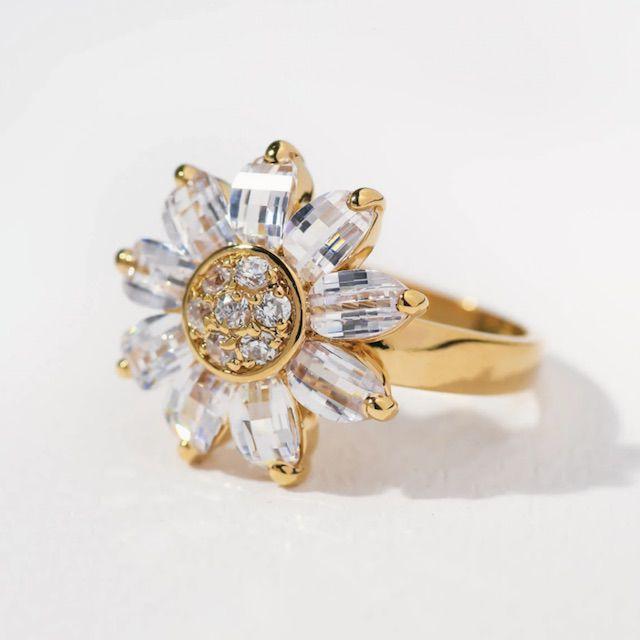 Vanessa Mooney The Kelly Flower Ring