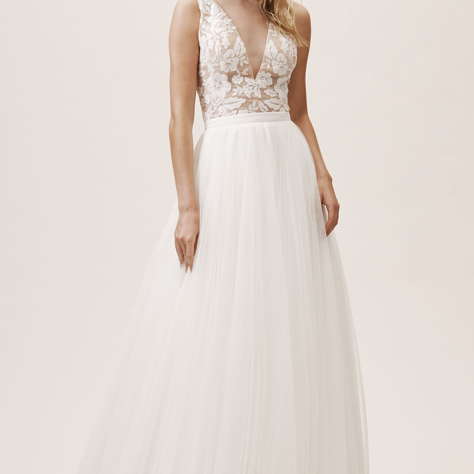 b7feaf5f509 19 Bridal Separates Sets for a Modern Bridal Moment