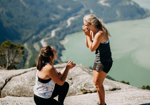 A scenic proposal on a cliff