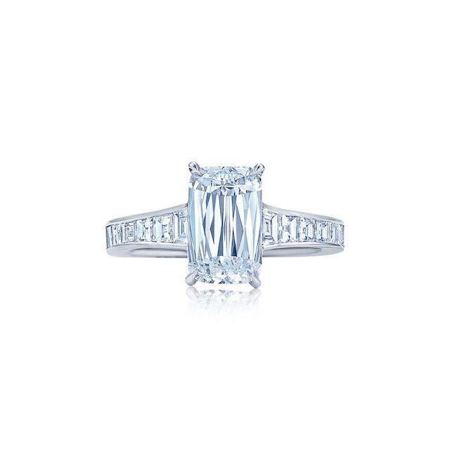 https://kwiat.com/diamond-jewelry/ashoka-solitaire-classic-and-modern-style-platinum-diamond-engagement-ring-d-17593ak-200-dia-plat/