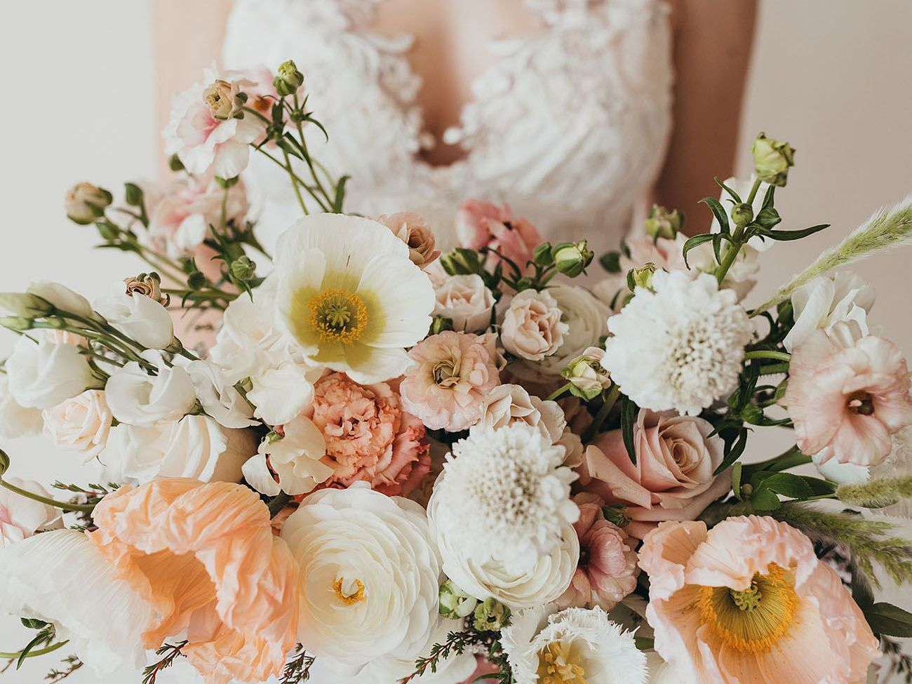 20 Fresh and Playful Poppy Wedding Bouquets