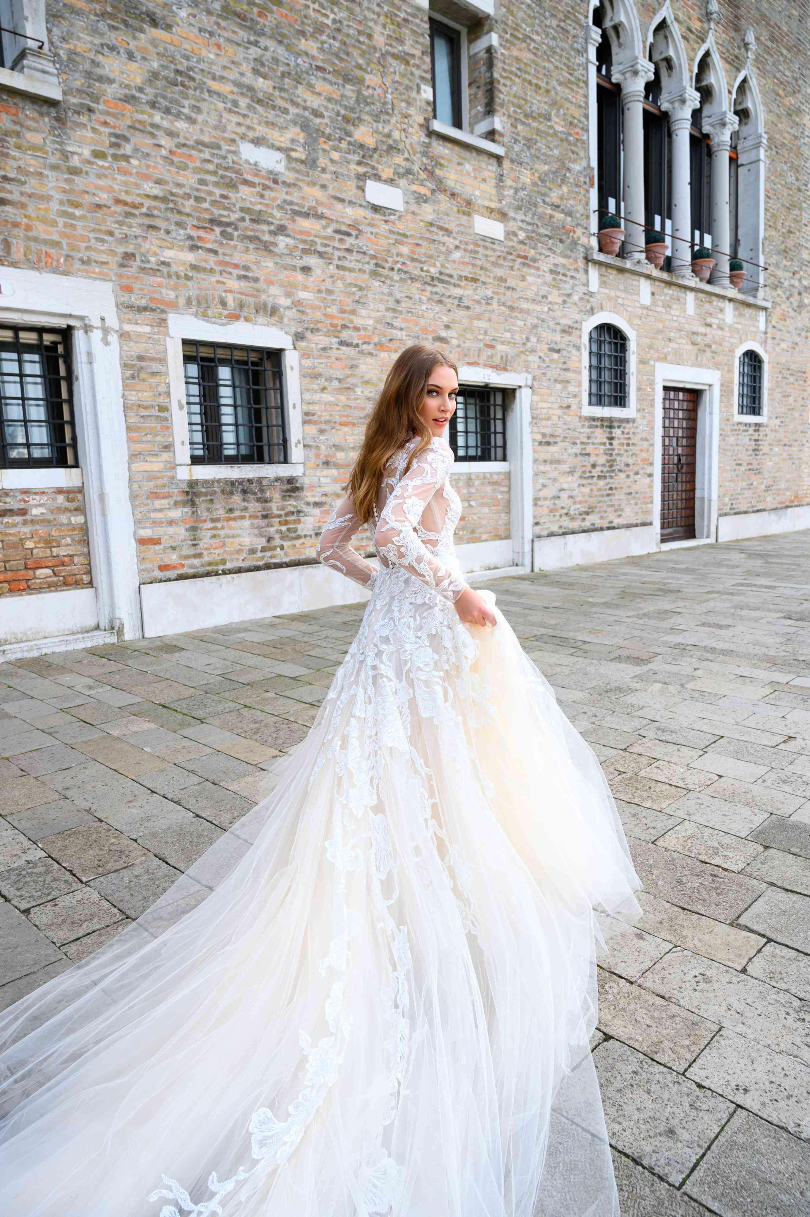 Bliss Monique Lhuillier Bridal & Wedding Dress Collection ...