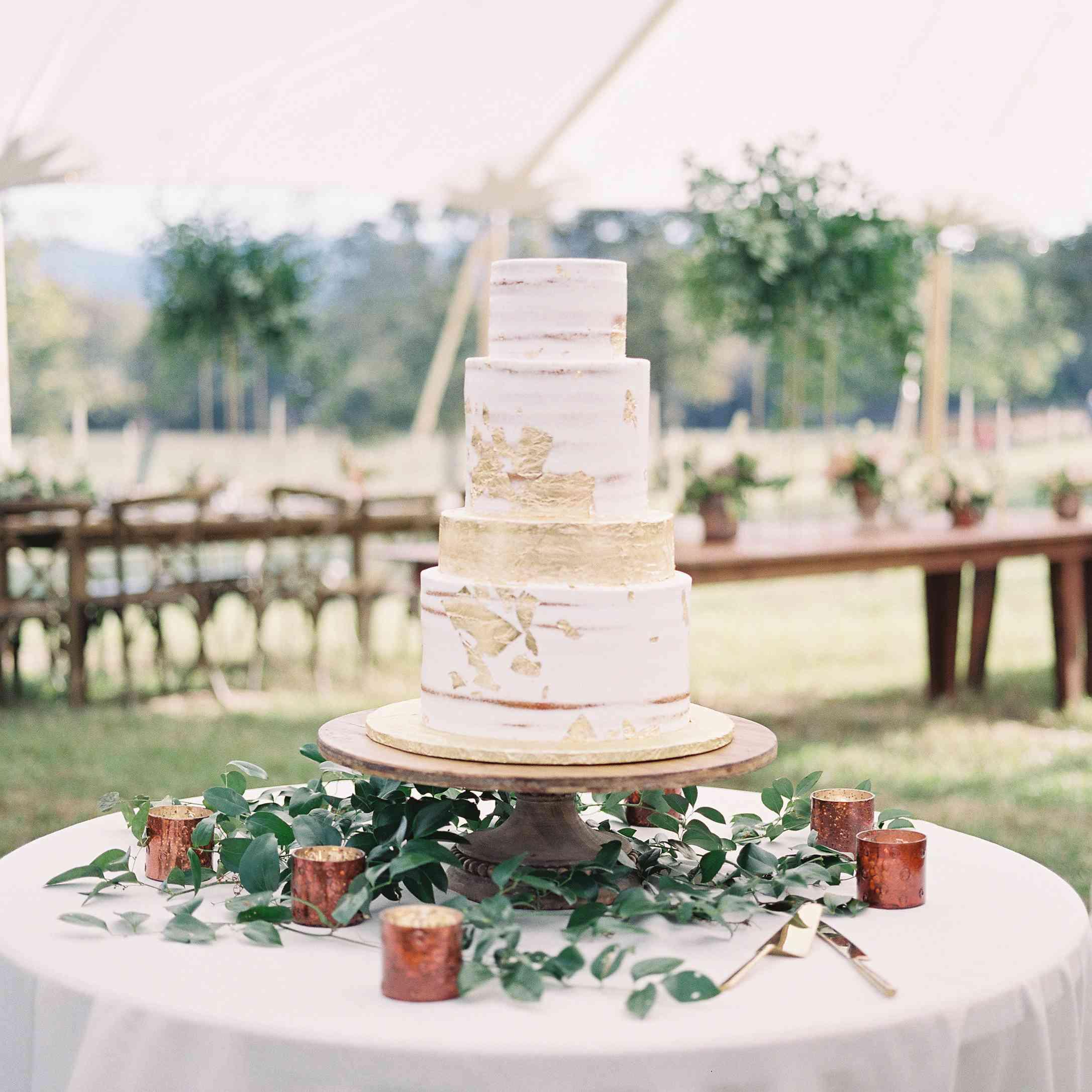 <p>Semi Naked wedding cake</p><br><br>