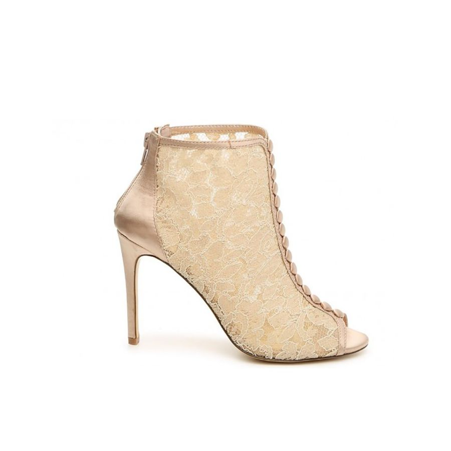 995c44f923795 27 Bridal Booties Made for Winter Brides