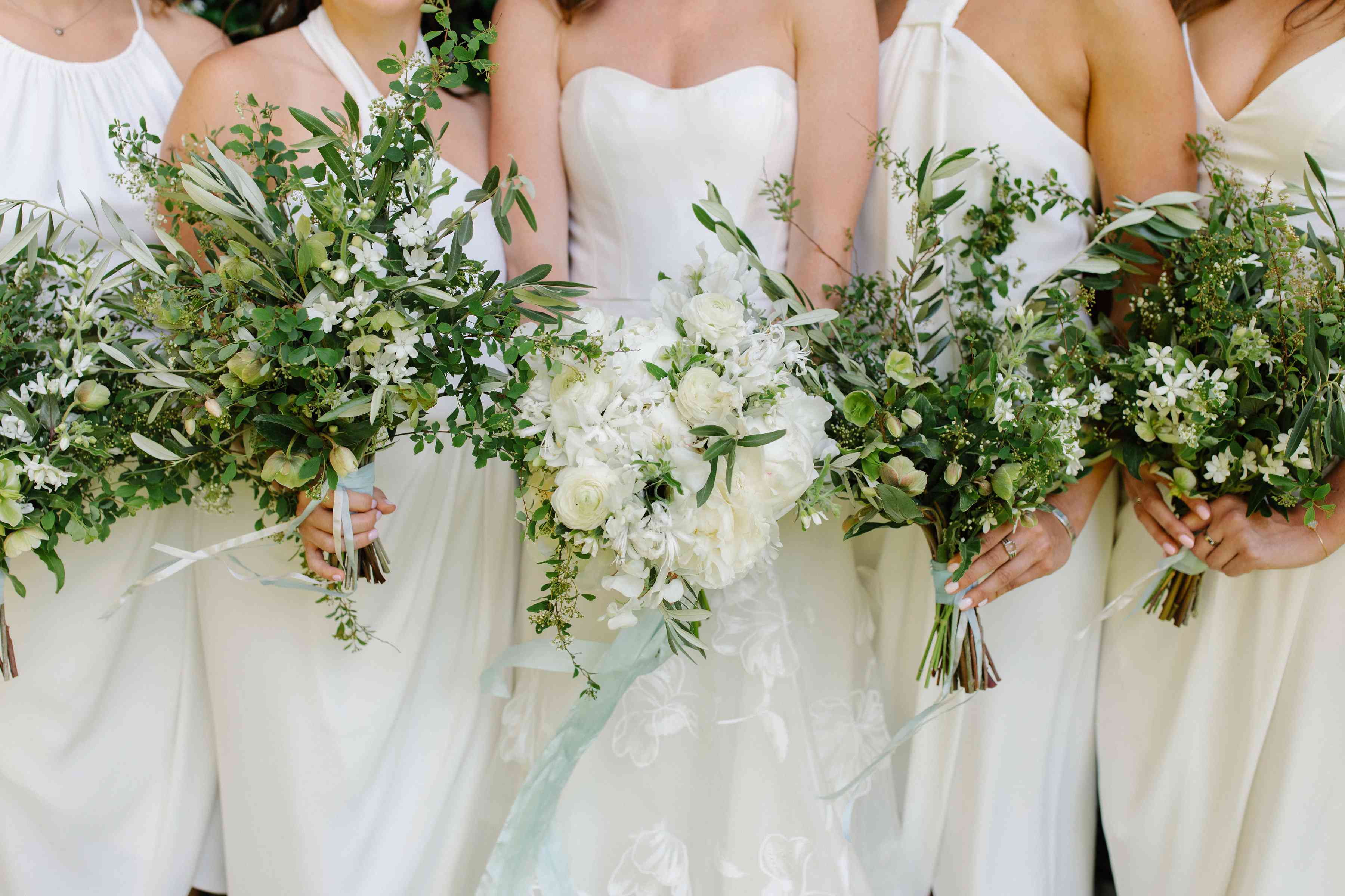 <p>white and green bouquets</p><br><br>