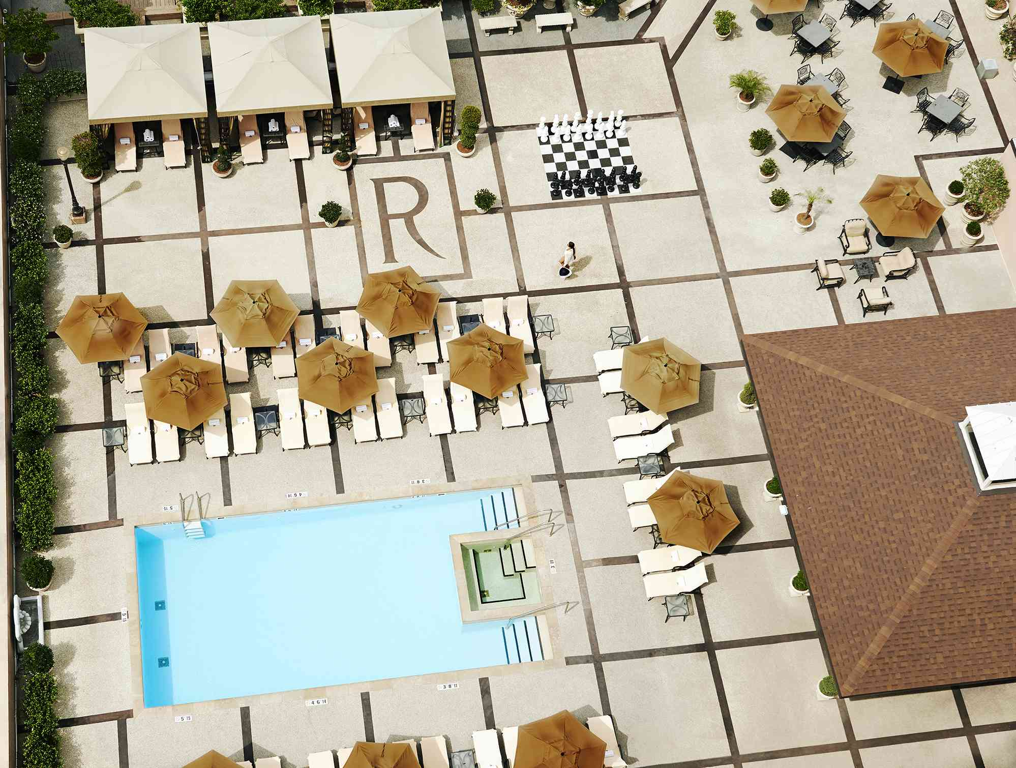 Roosevelt Hotel, New Orleans pool scene (aerial view)