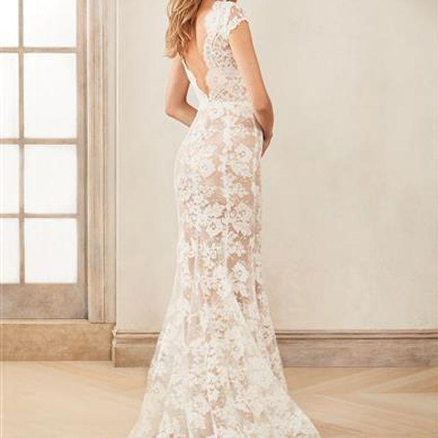 Oscar de la Renta Lace Wedding Dress, price upon request