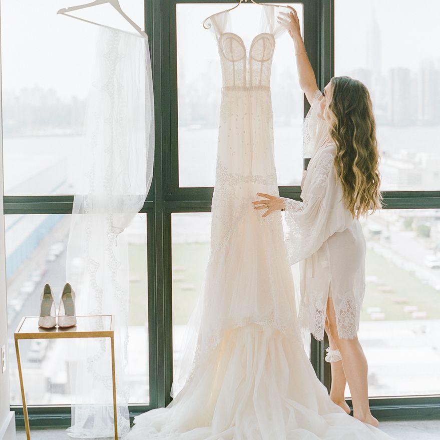 <p>Bride with wedding dress</p><br><br>