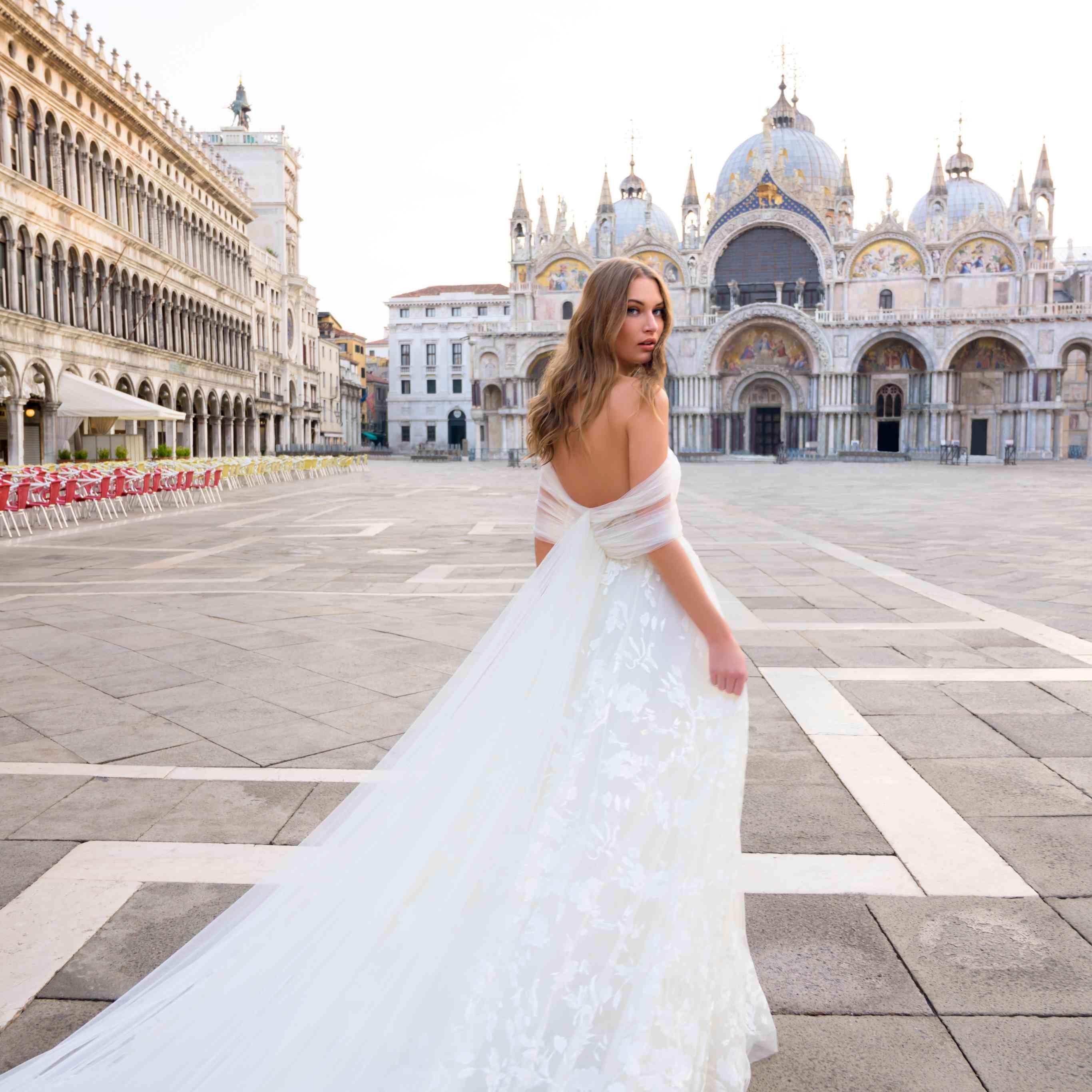 Bliss Monique Lhuillier Bridal Wedding Dress Collection Fall 2020