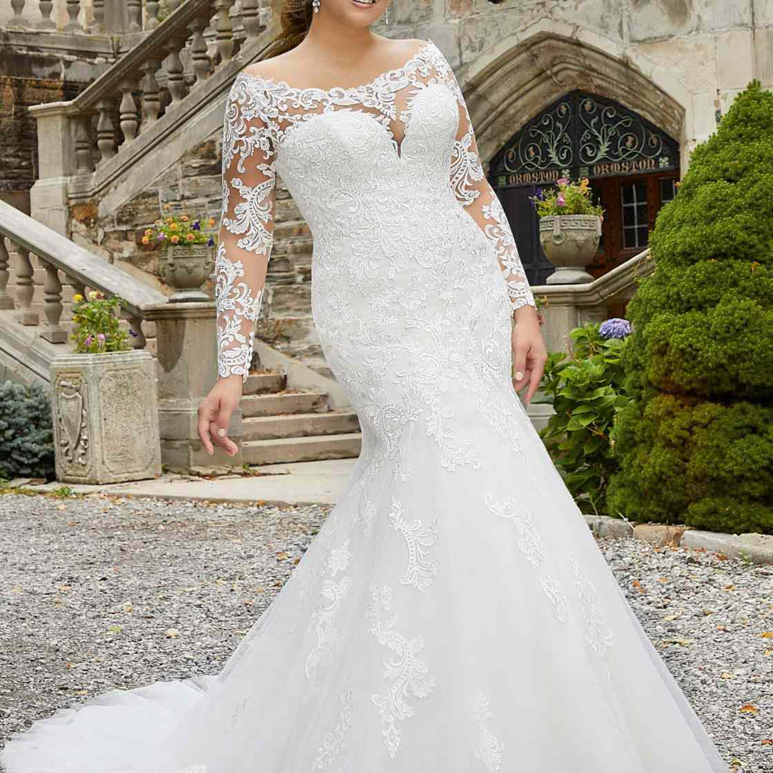 Long Sleeves V Neck Mermaid Wedding Dresses With Train Lace Princess V-Back Gown