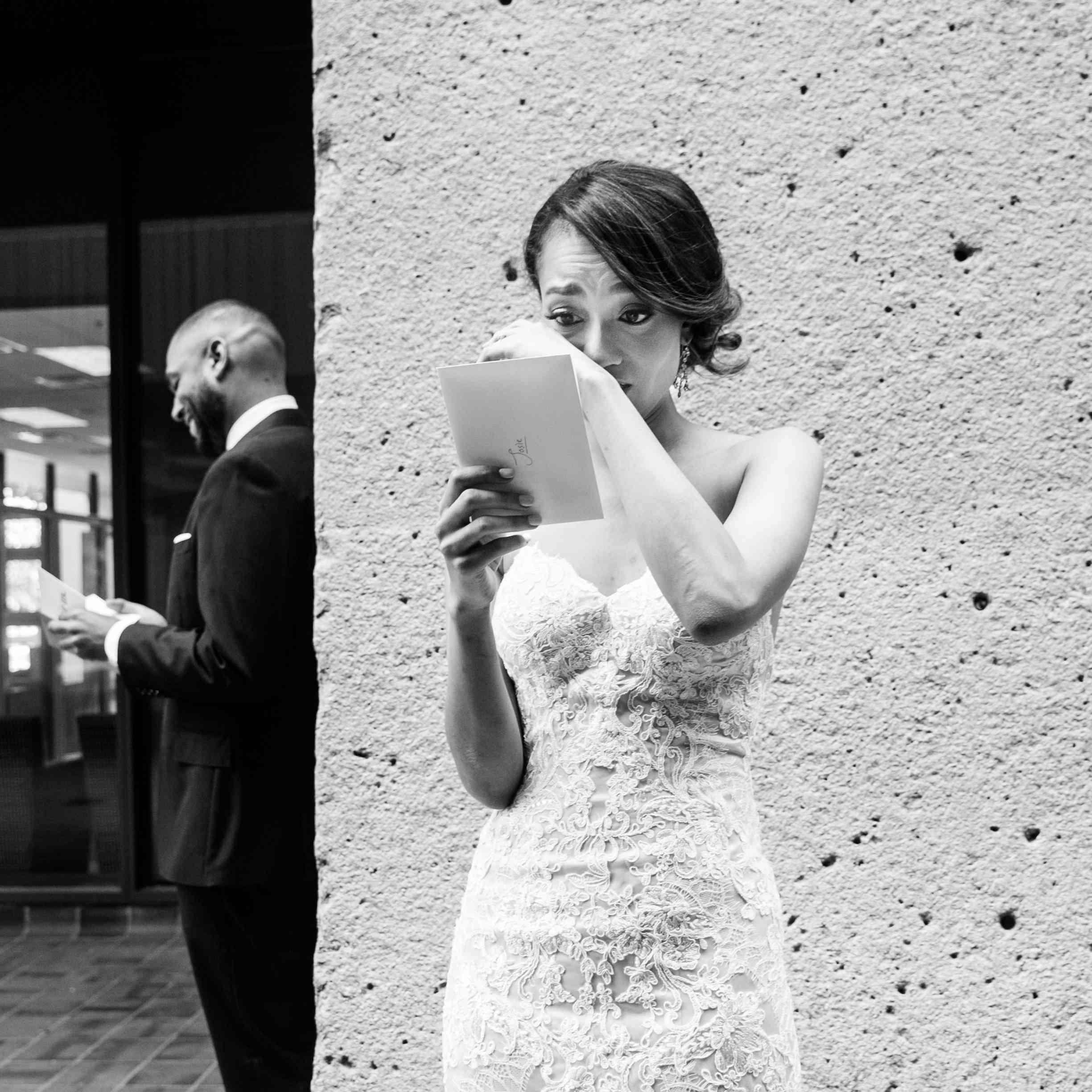<p>Bride and Groom Exchange Notes</p><br><br>