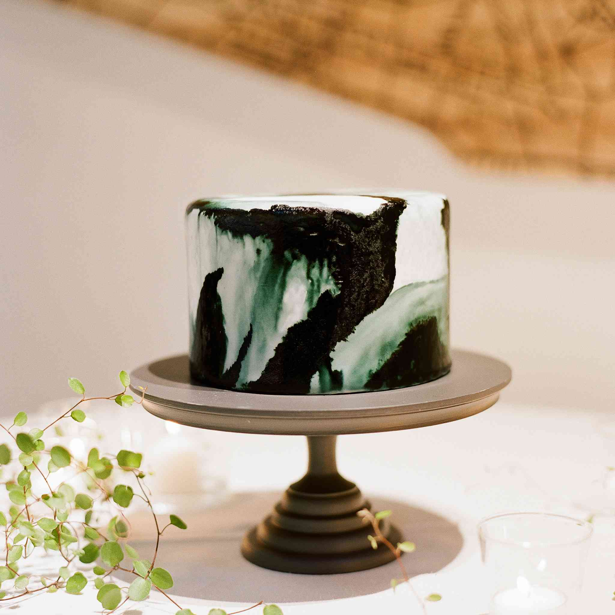 Wedding Cakes by Your Zodiac Sign