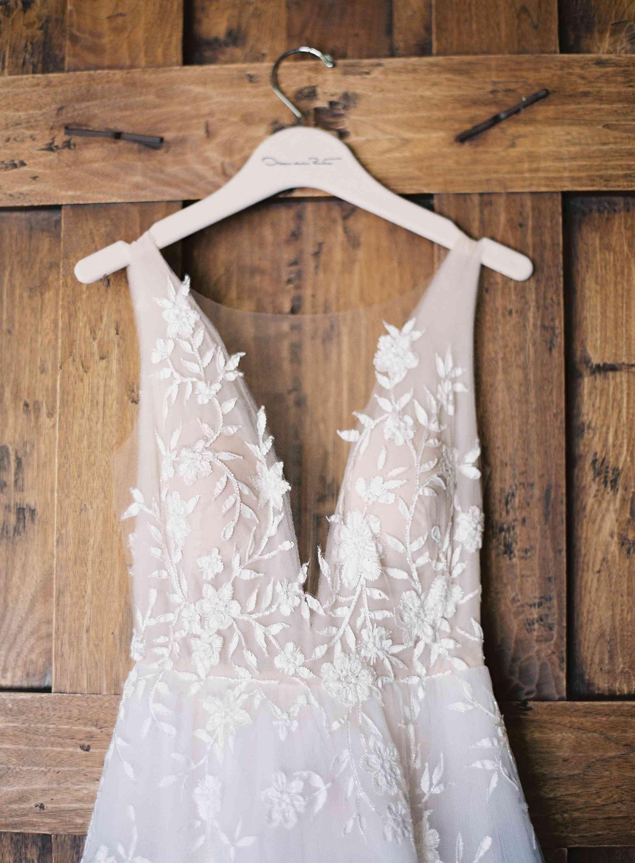 hanging V-neck wedding dress
