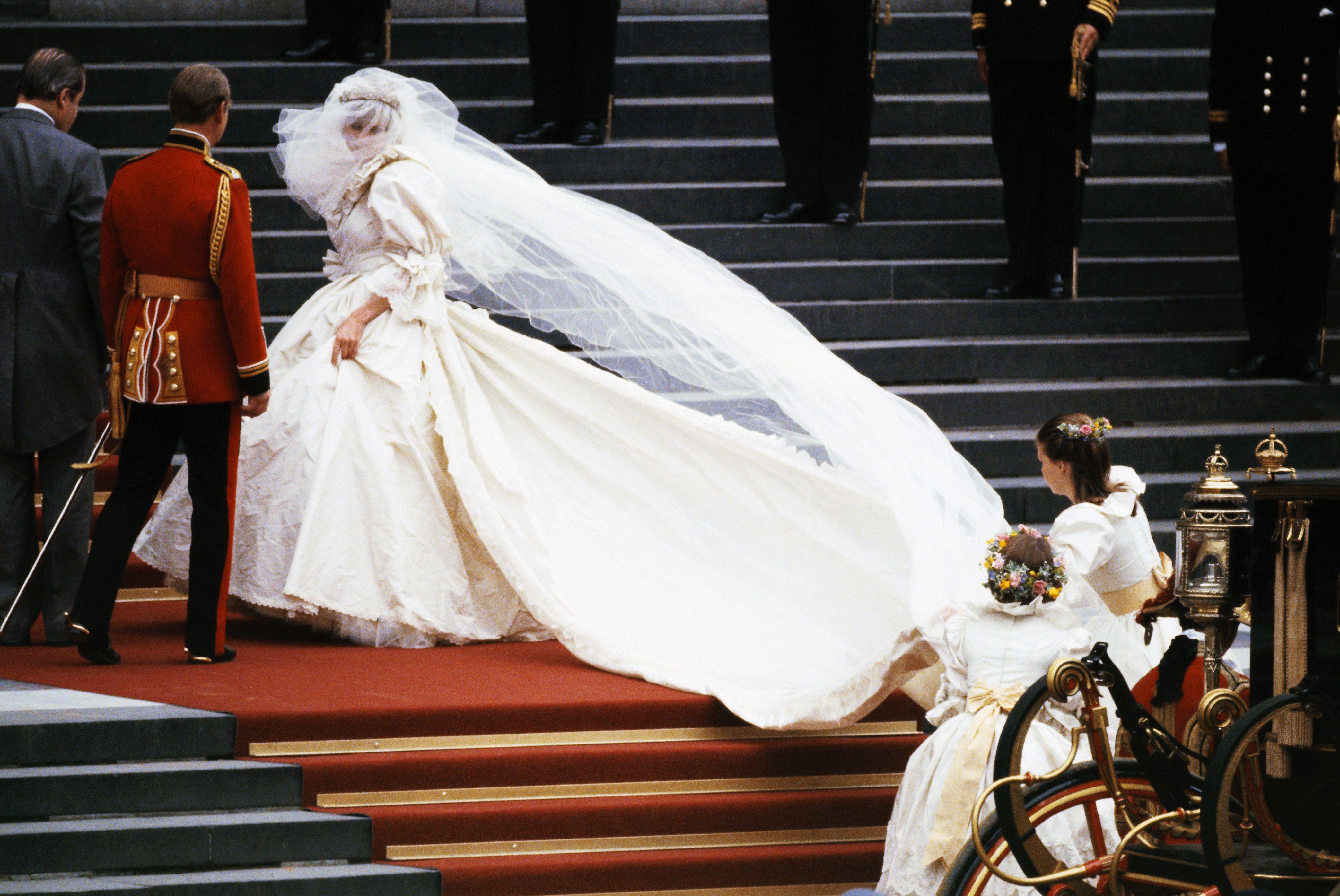 Happy Birthday Princess Diana The Most Iconic Celebrity Bride