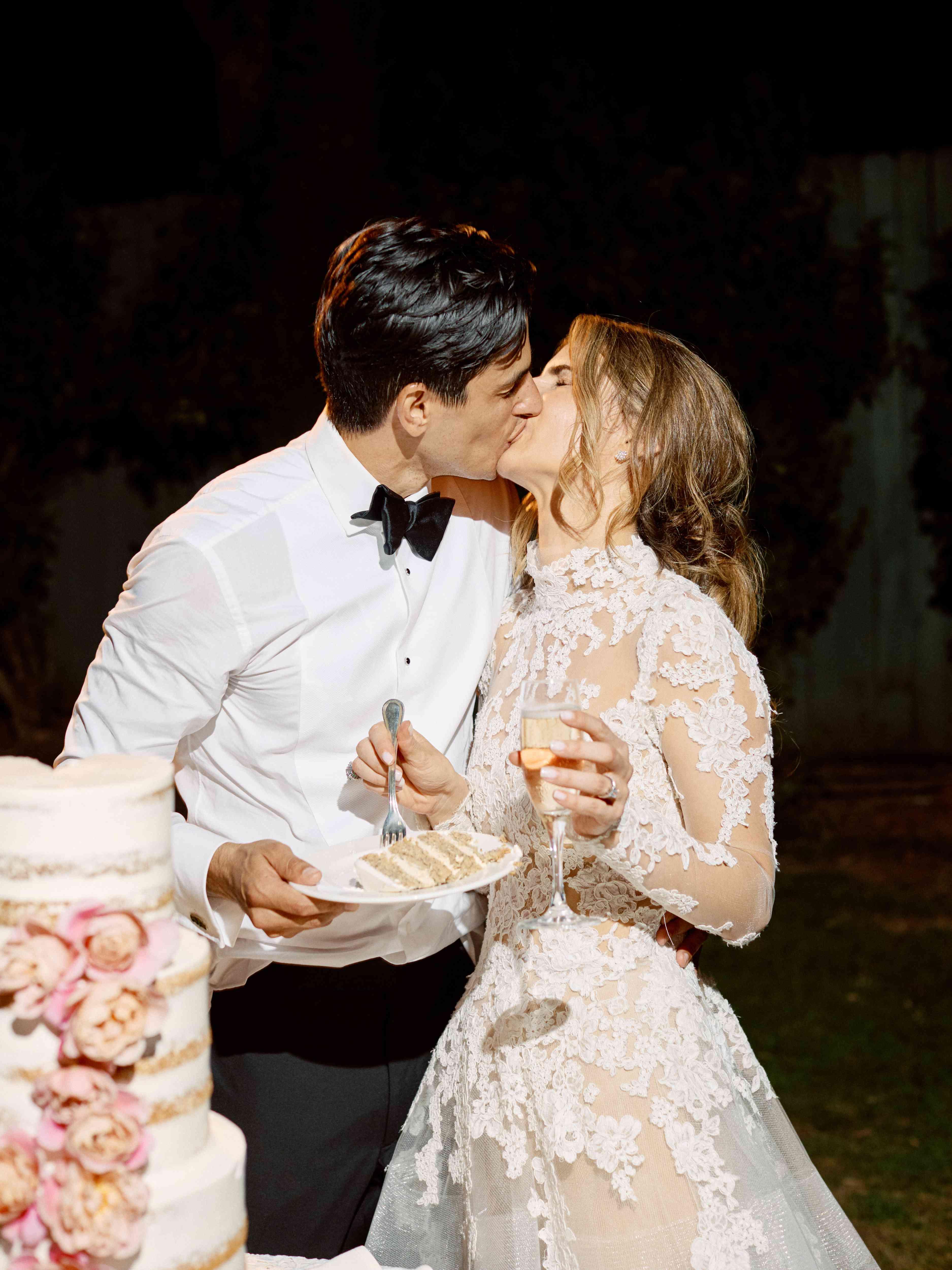 cutting cake kissing