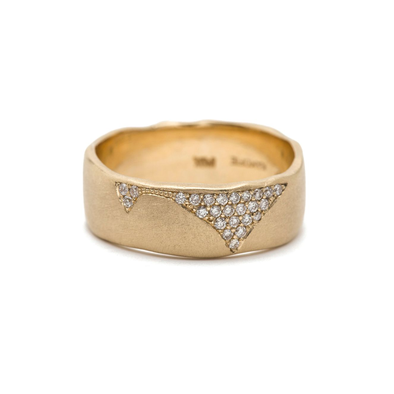 Sofia Kaman Yellow Gold Cracked Band With Pavé Set Diamonds