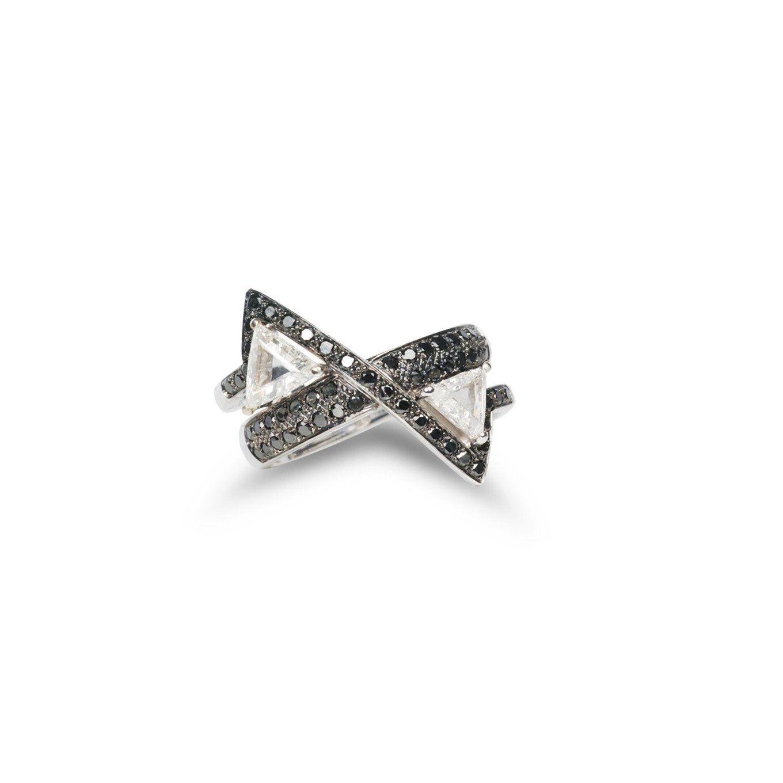 Kavant & Sharart GeoArt TT Trillion-Cut Black & White Diamond Ring