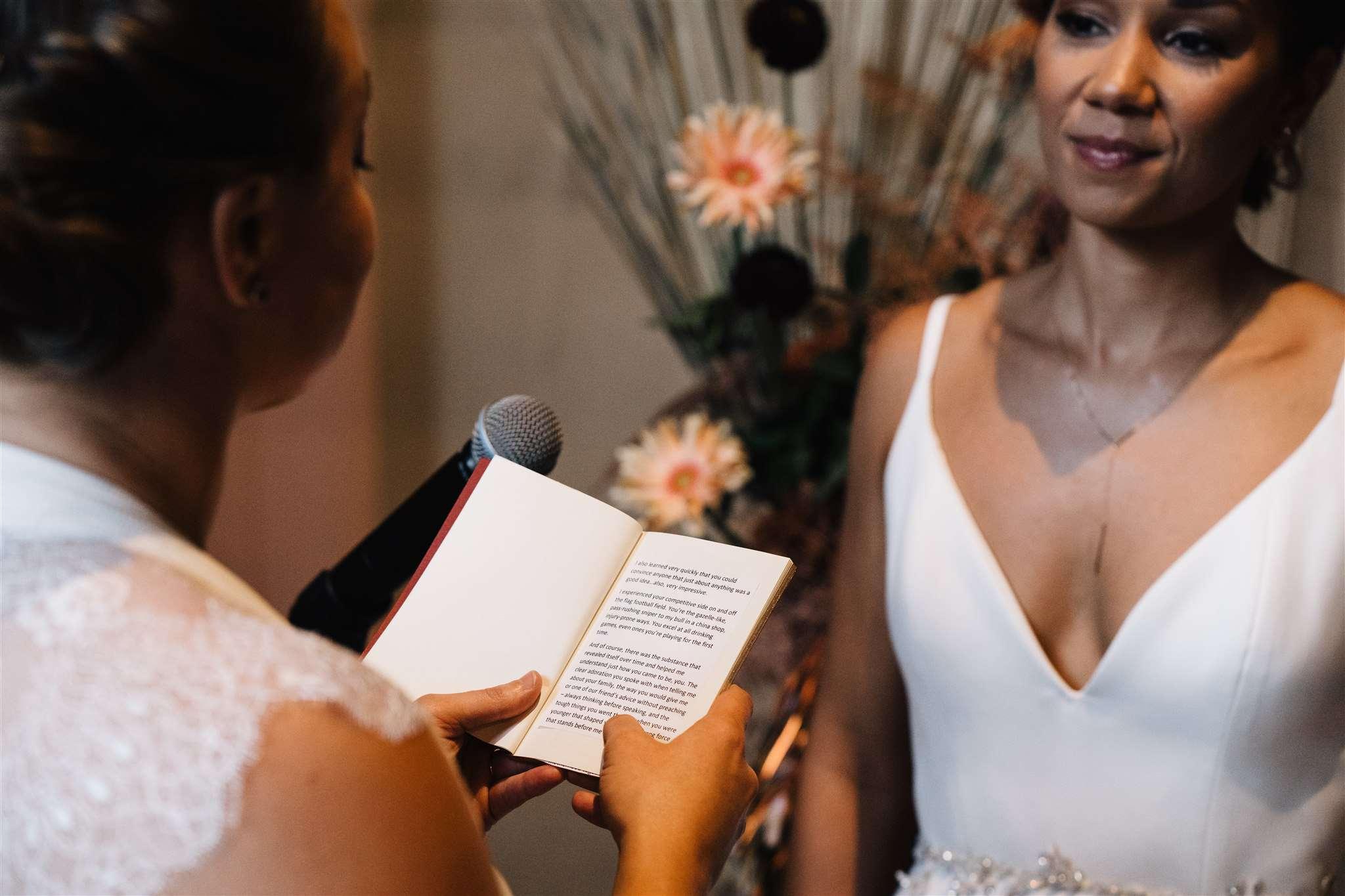 bride reding vows