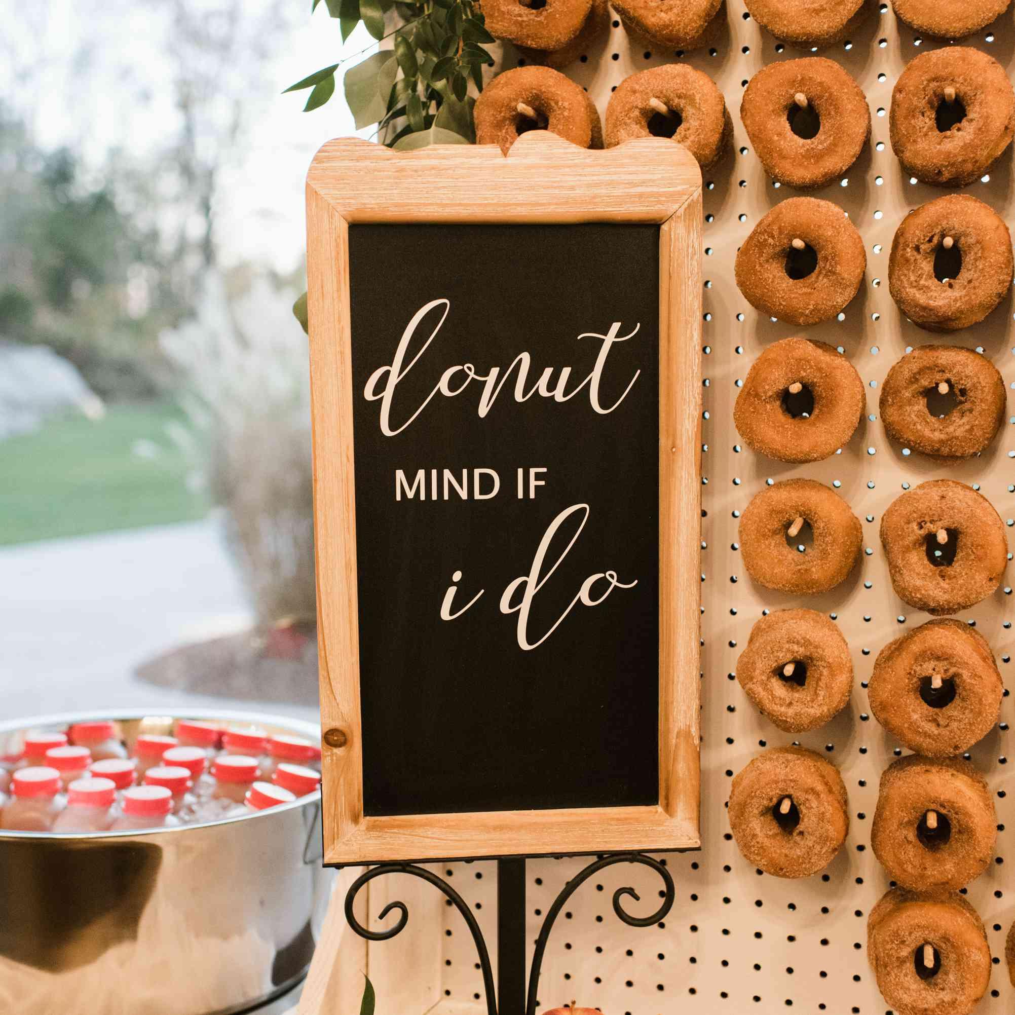 Apple cinnamon donut wall for a fall wedding