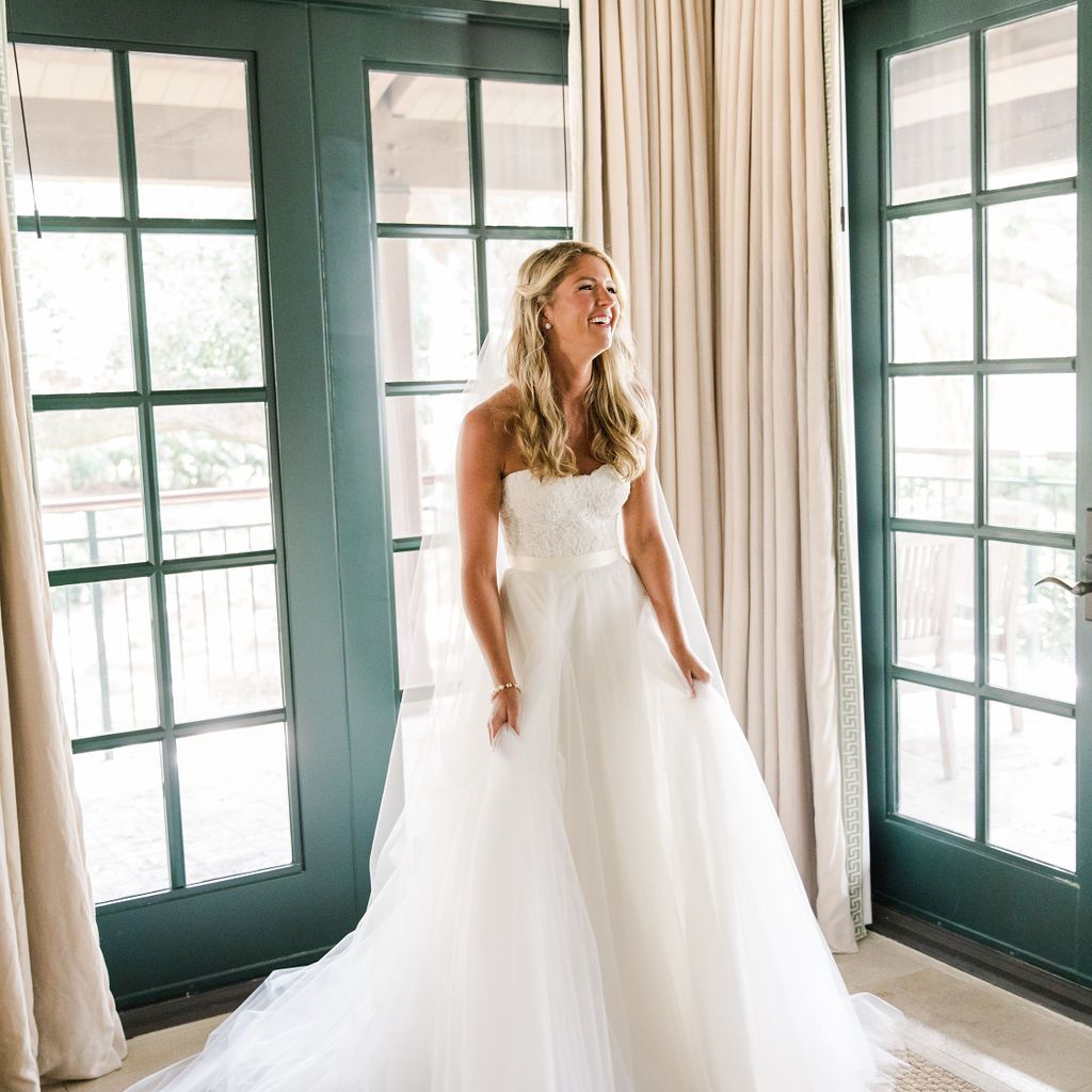 timeless southern wedding, bride in strapless gown