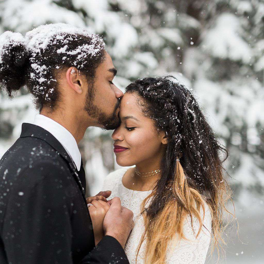 Newlyweds in the snow