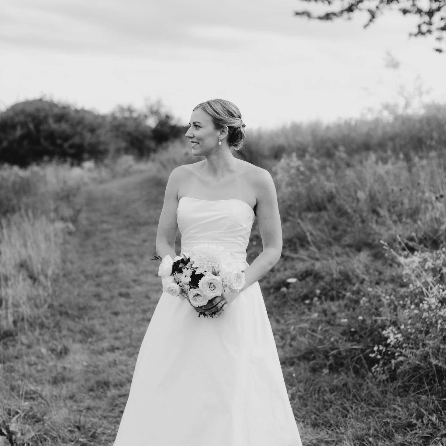 Bride in Amsale wedding gown