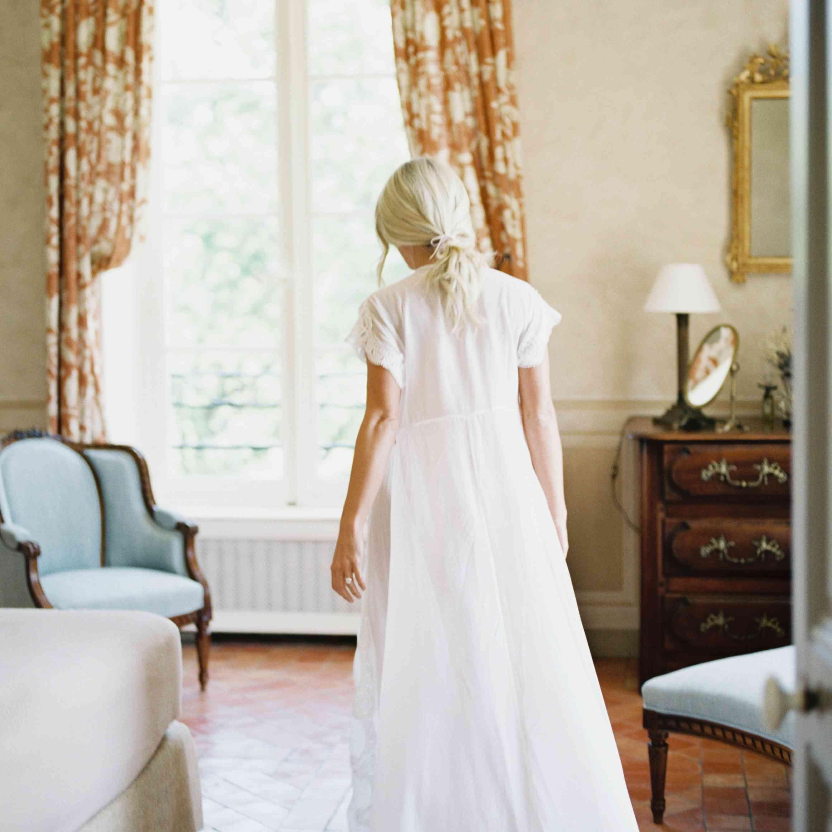 bride getting ready wedding