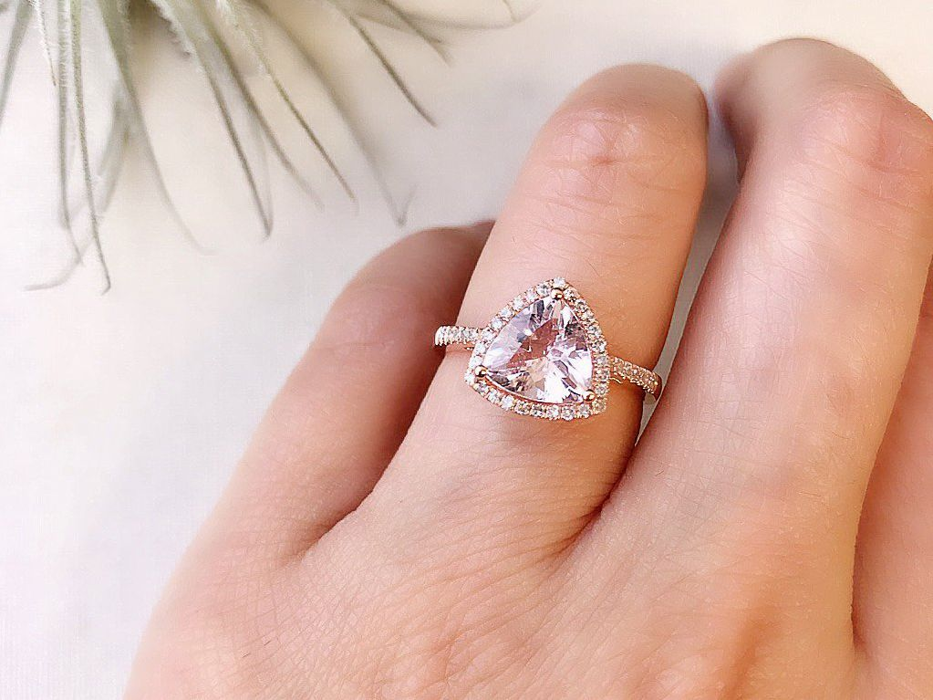 e6bb5a64155d5 36 Trillion-Shaped Engagement Rings for Modern Brides