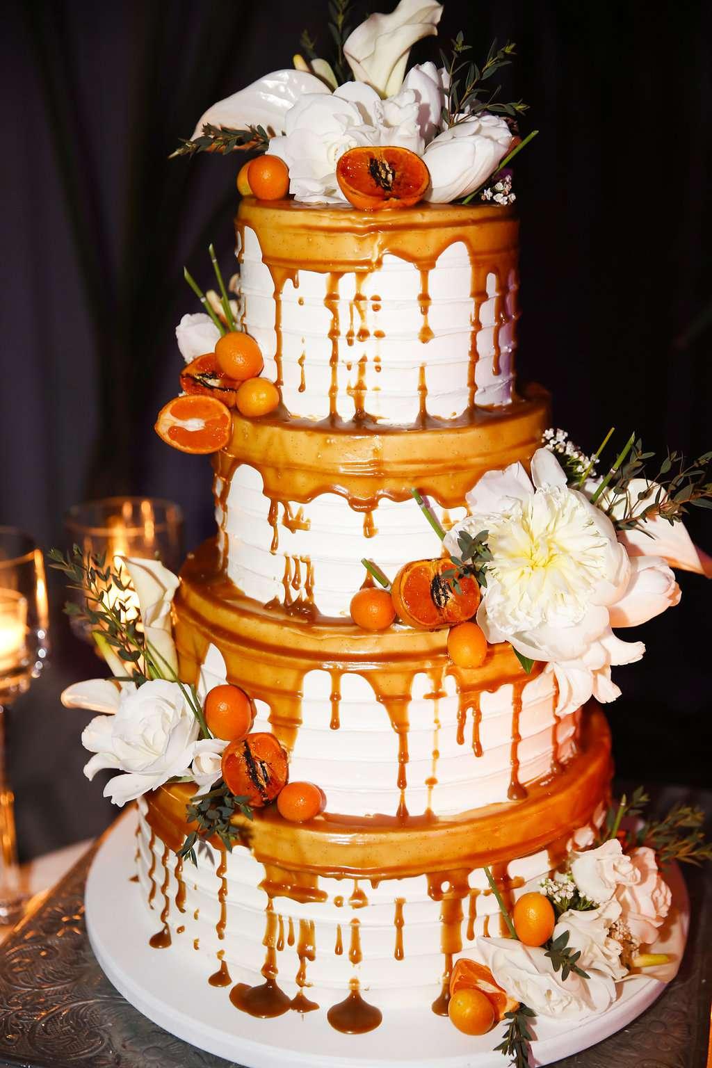 minimalist california wedding, caramel drizzled wedding cake