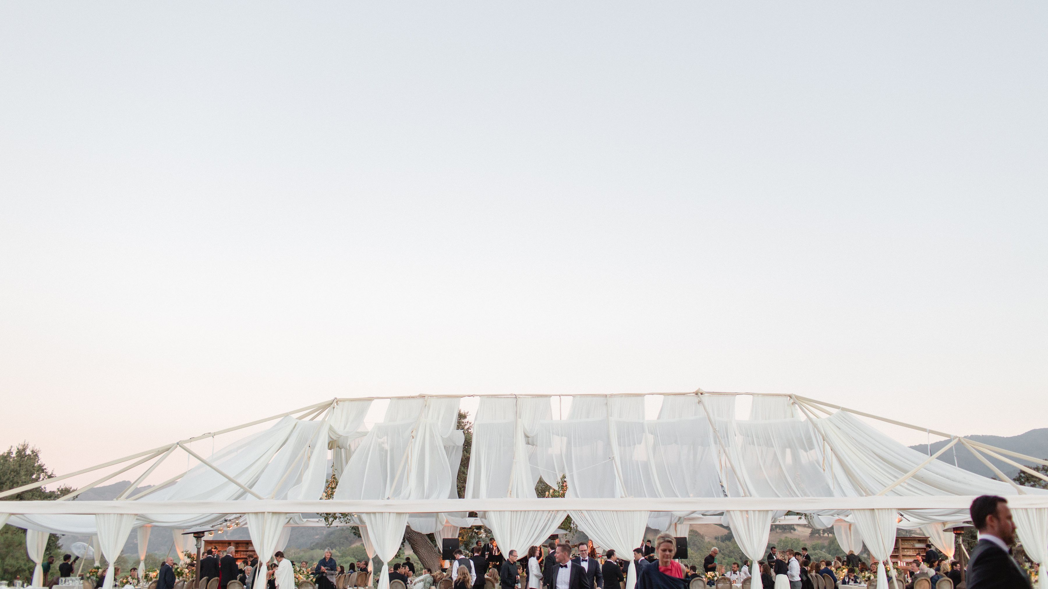 Wedding Reminders for Guests: 9 Details to Make Sure