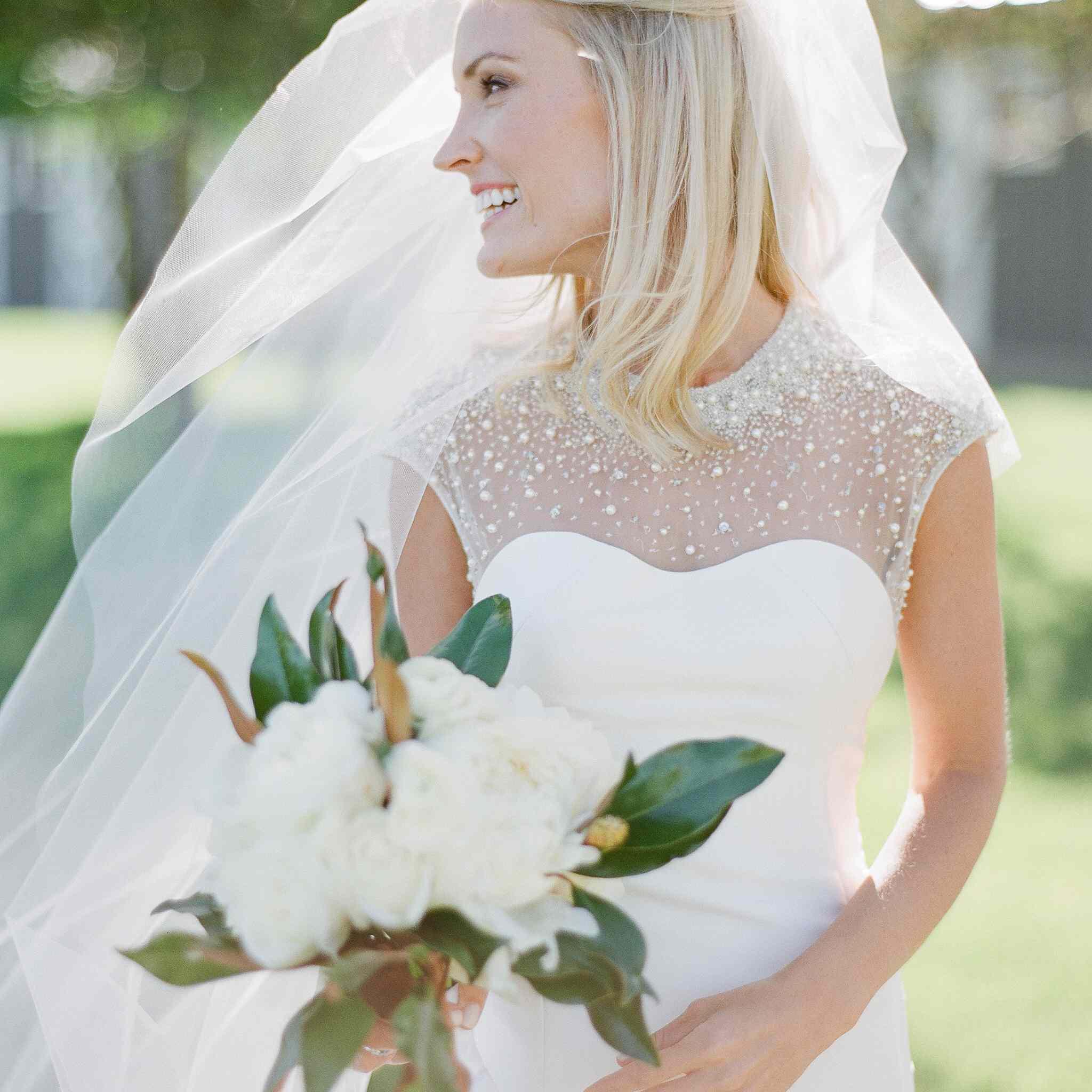 Bride solo shot with bouquet