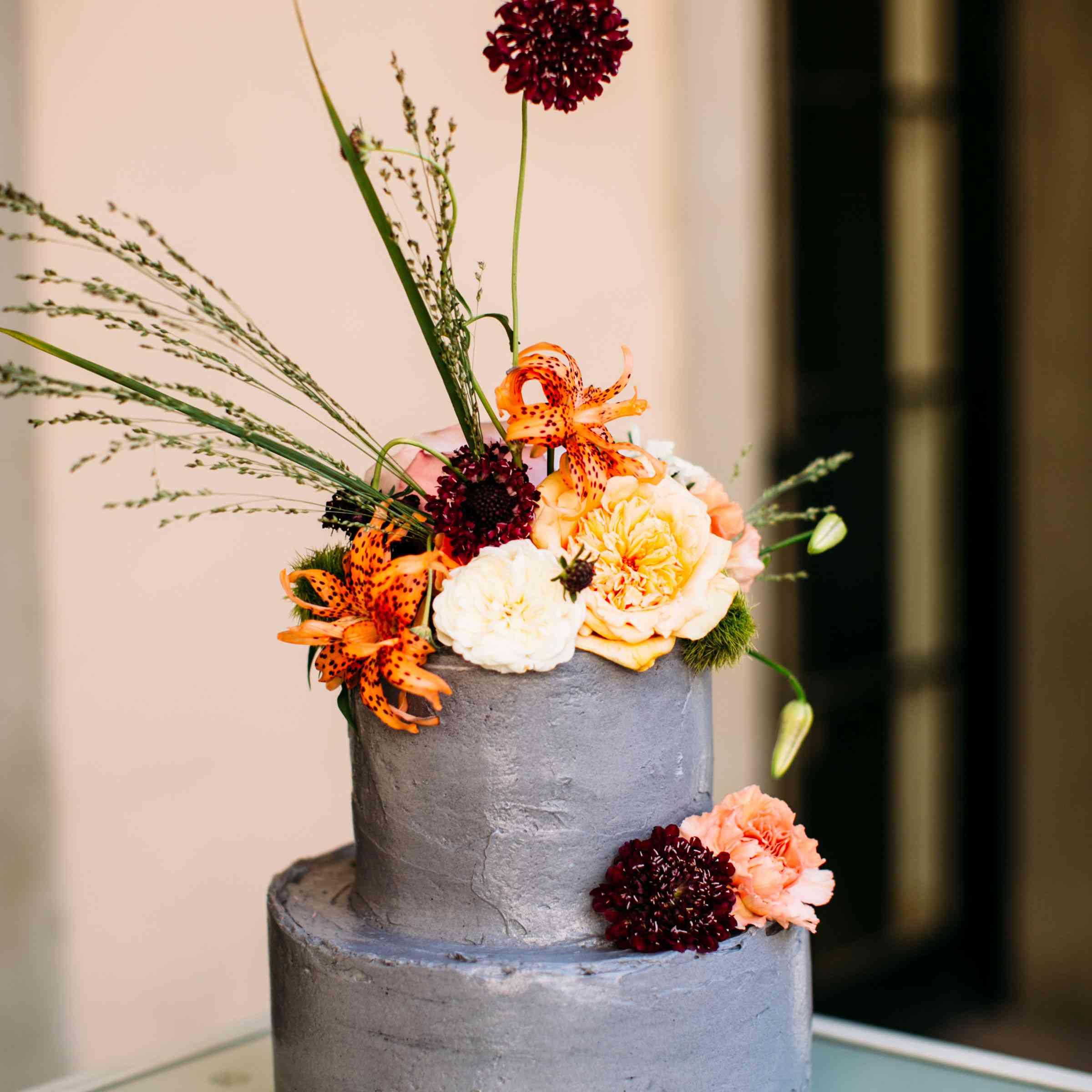 grey wedding cake