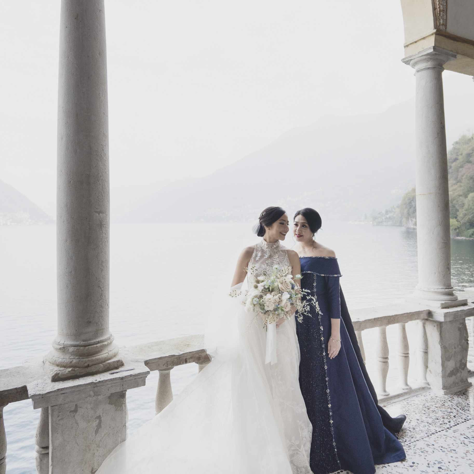romantic lake como wedding, bride with mother