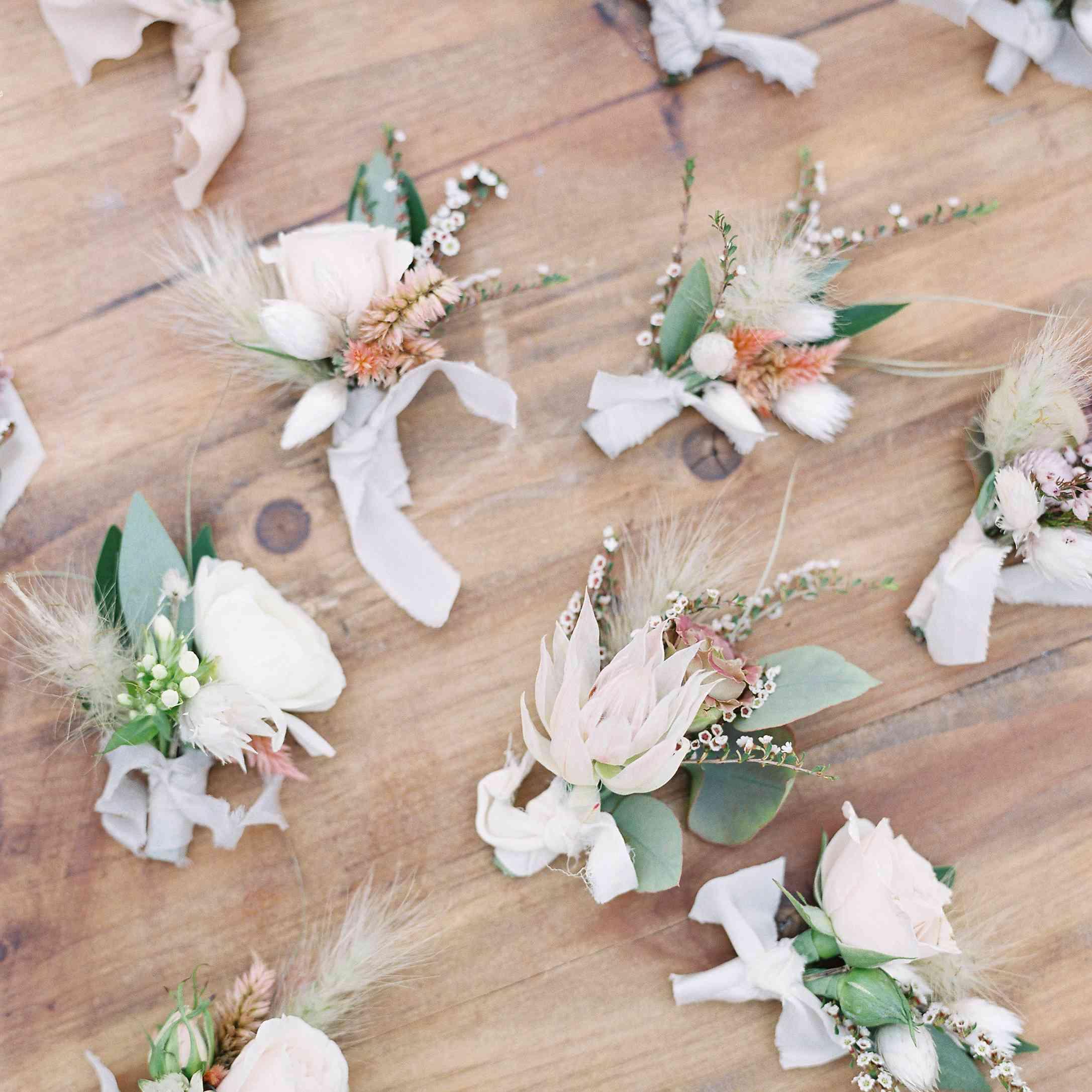 <p>Floral boutonnieres</p><br><br>