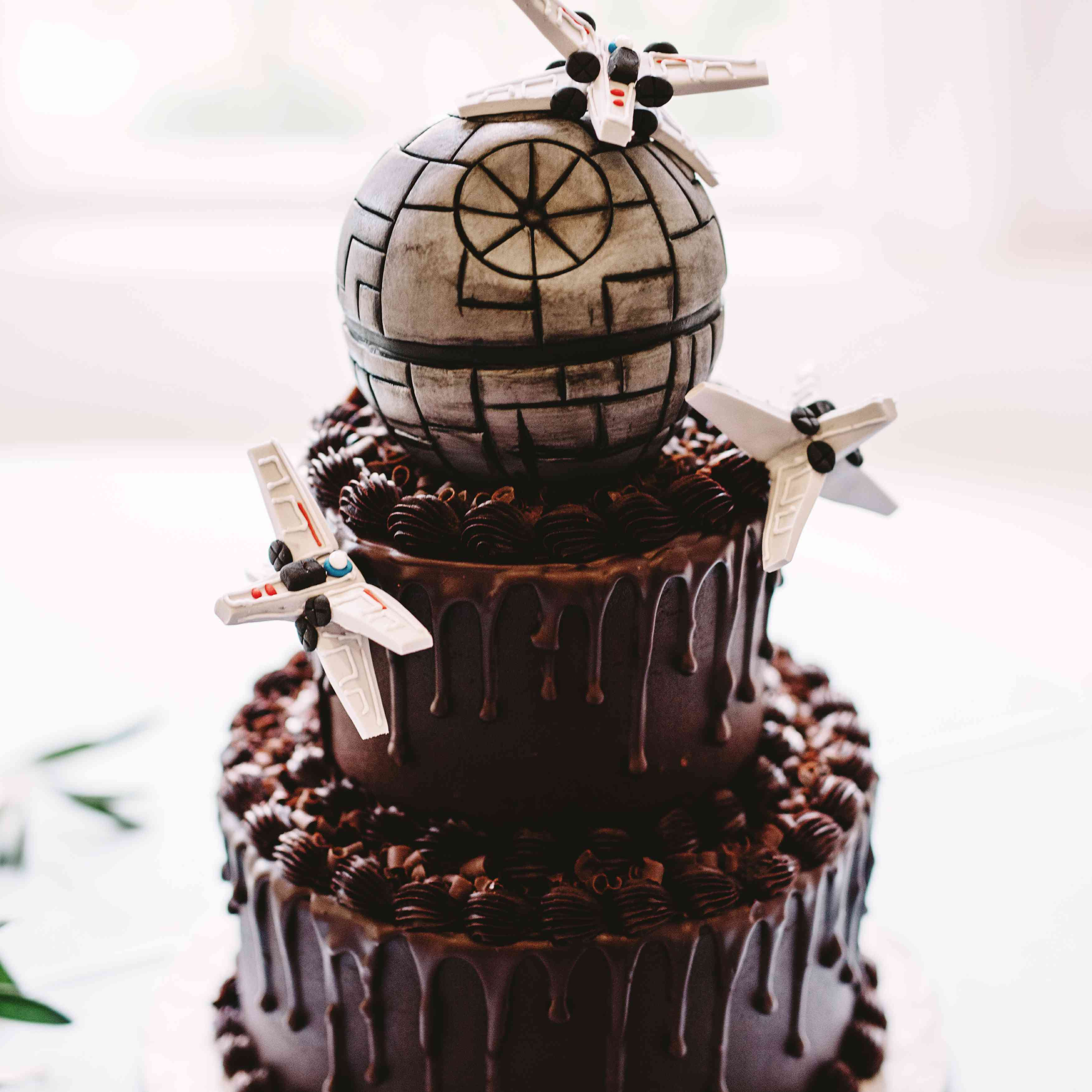 chocolate cake with airplanes