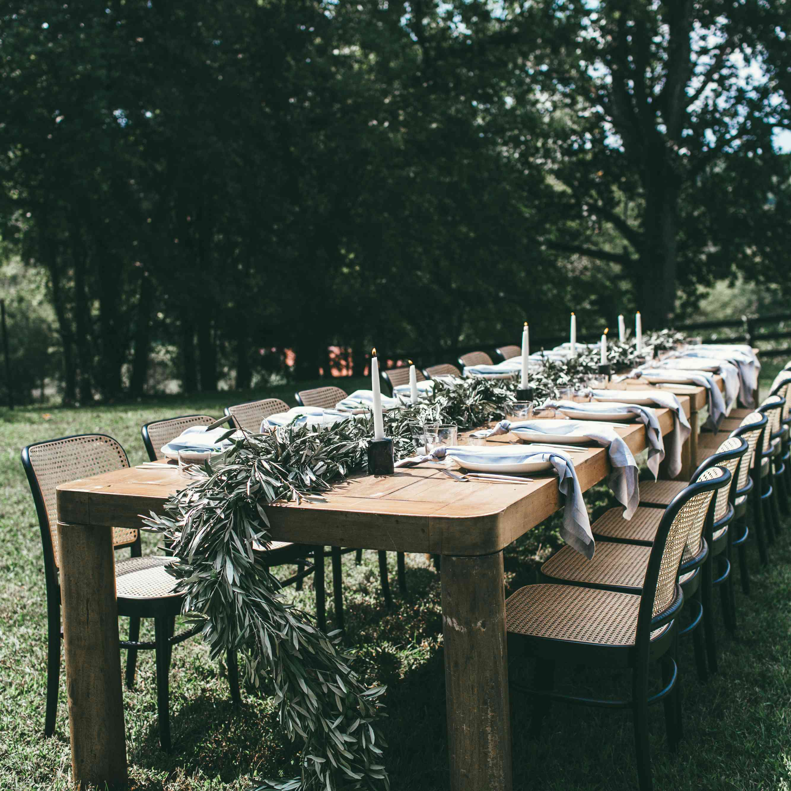 table with greenery garland