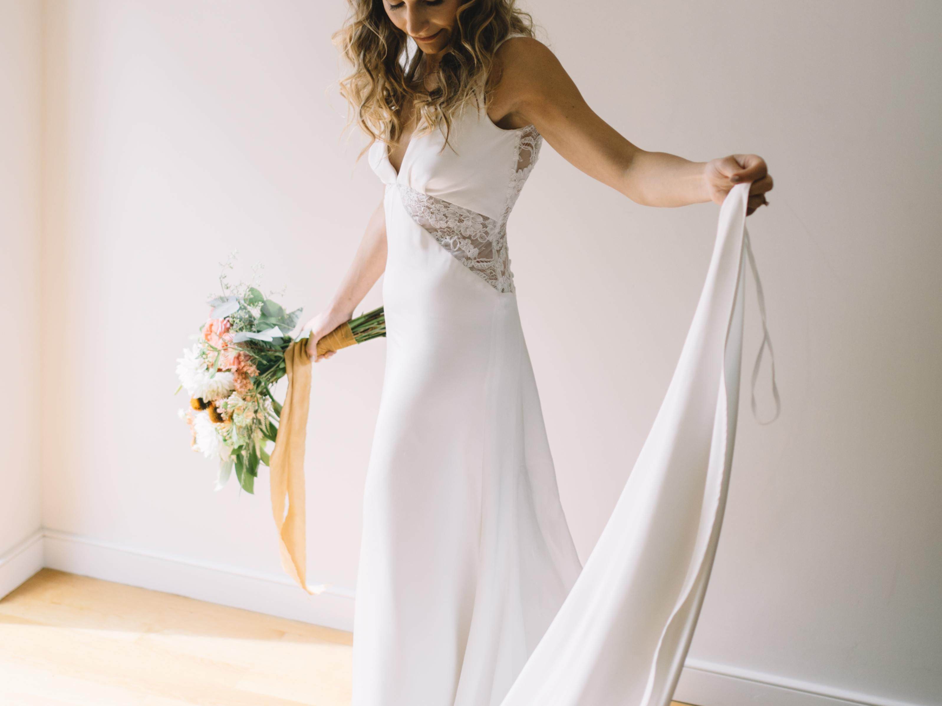 Bridal Dress Fabrics: A String To The Ceremonial Sanctity