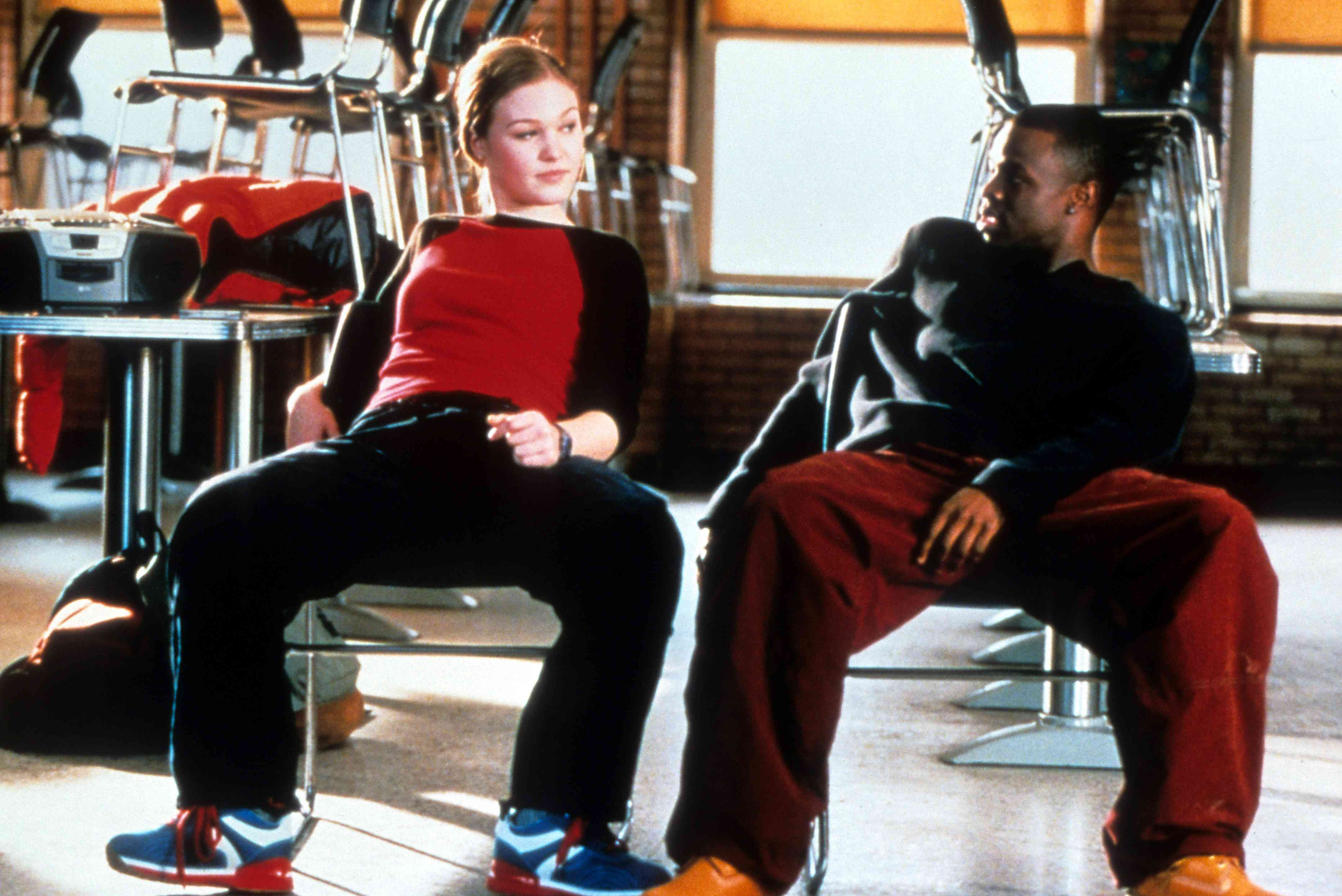 ulia Stiles sits with Sean Patrick Thomas in a scene from the film 'Save The Last Dance', 2001.