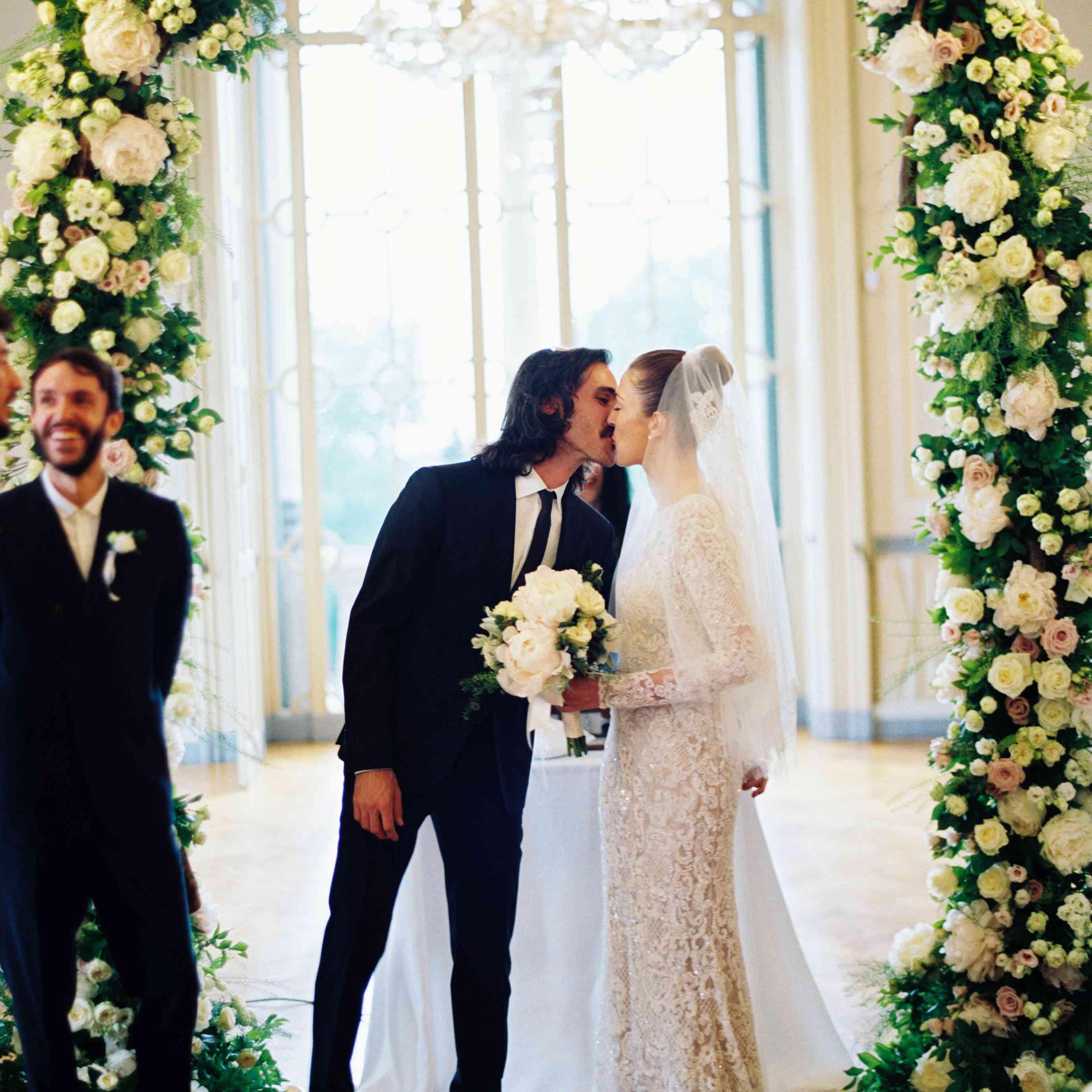 Northern Italian Wedding, First Kiss