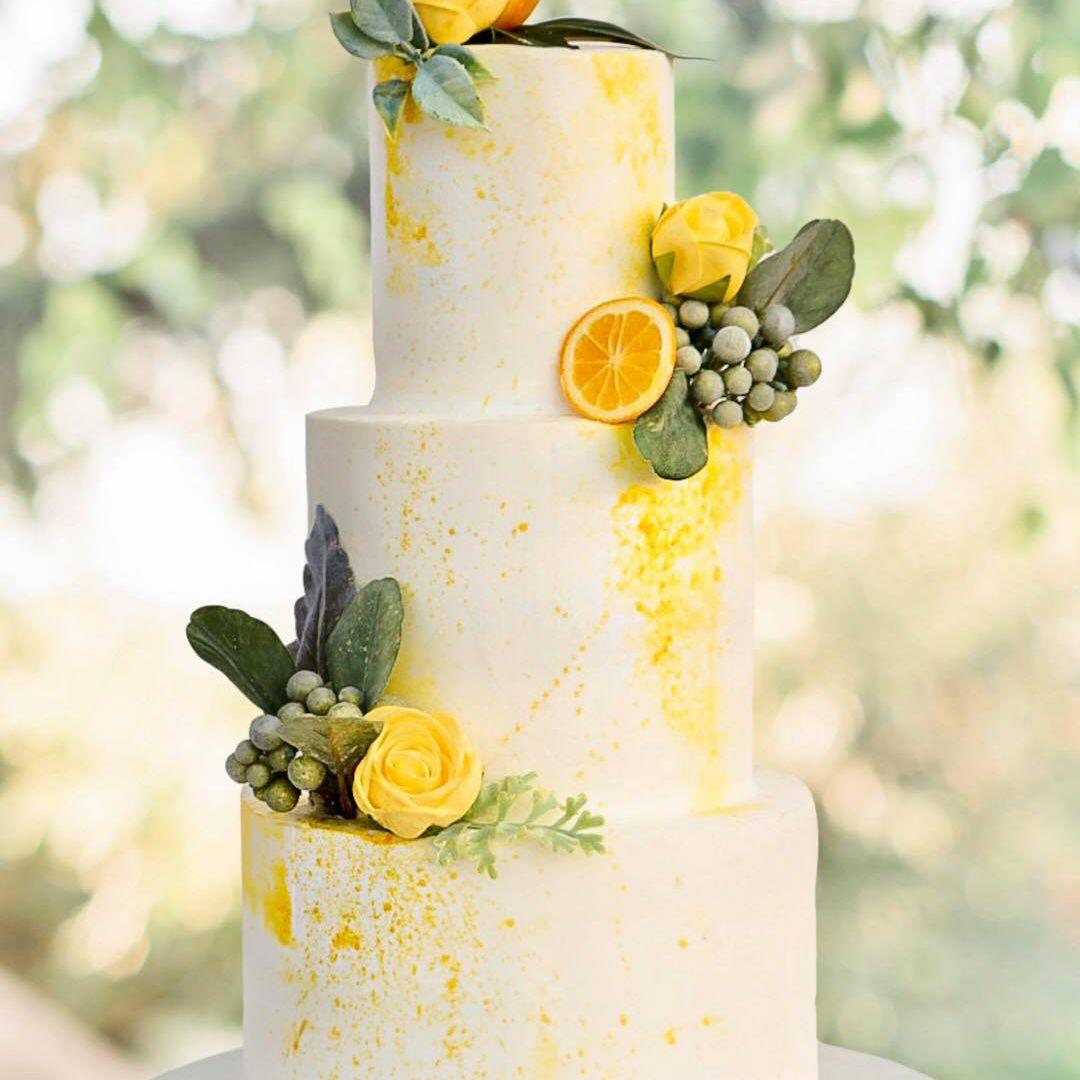 wedding cake with oranges