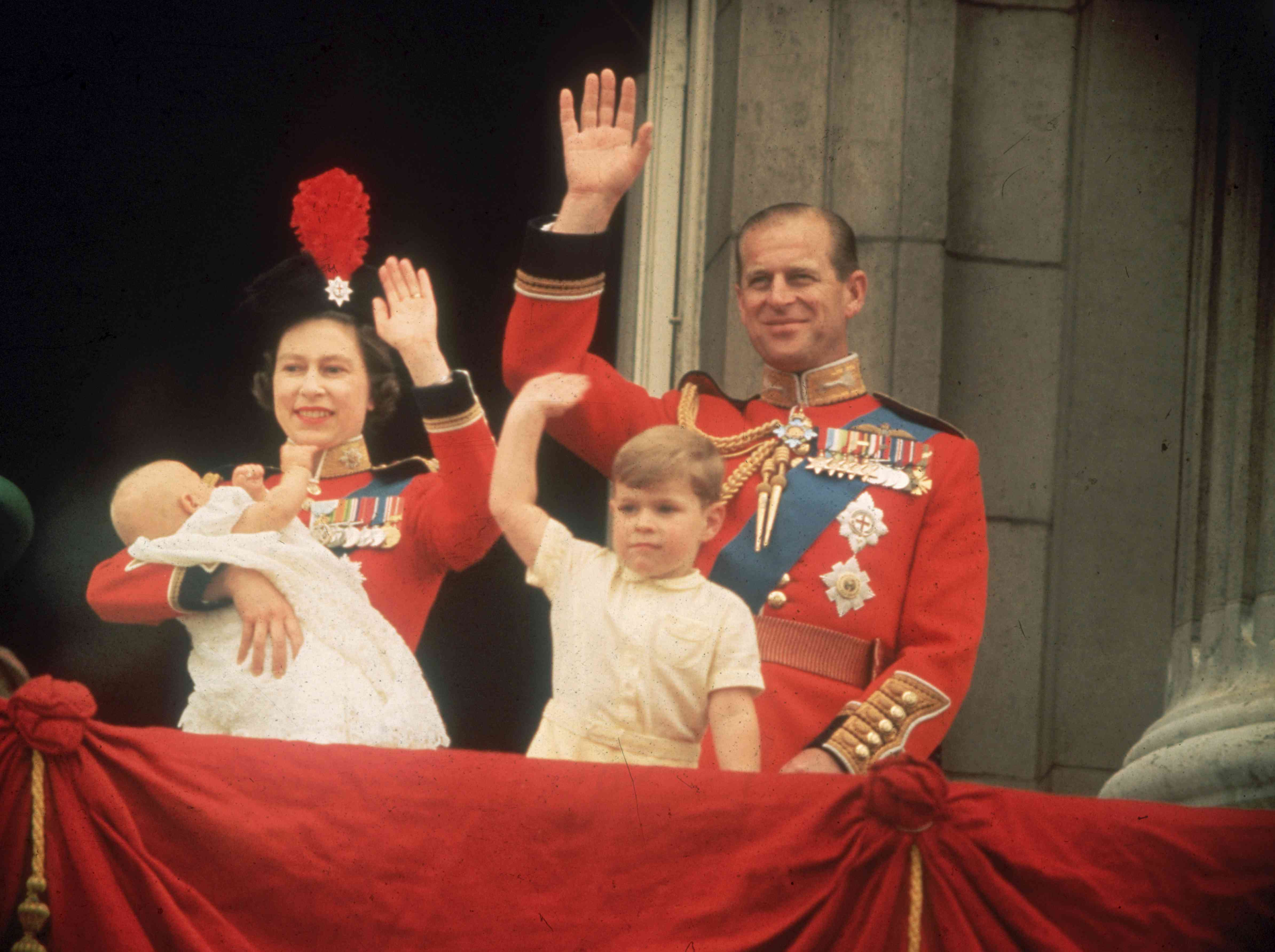 Queen Elizabeth and Prince Philip with kids