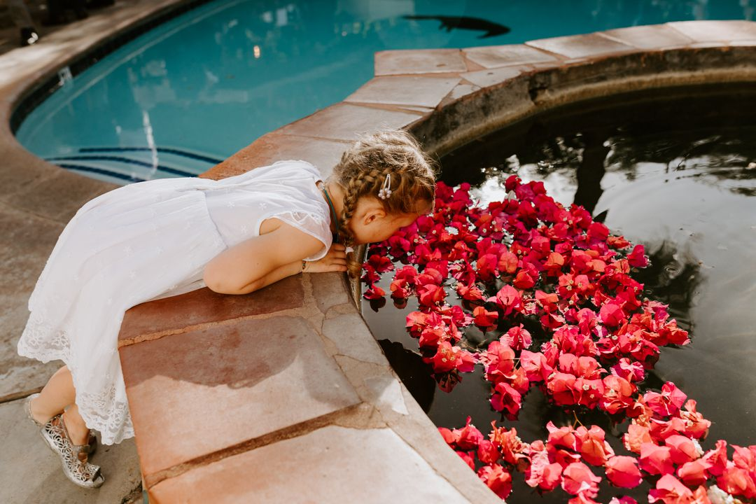 <p>floral and fountain decor</p><br><br>