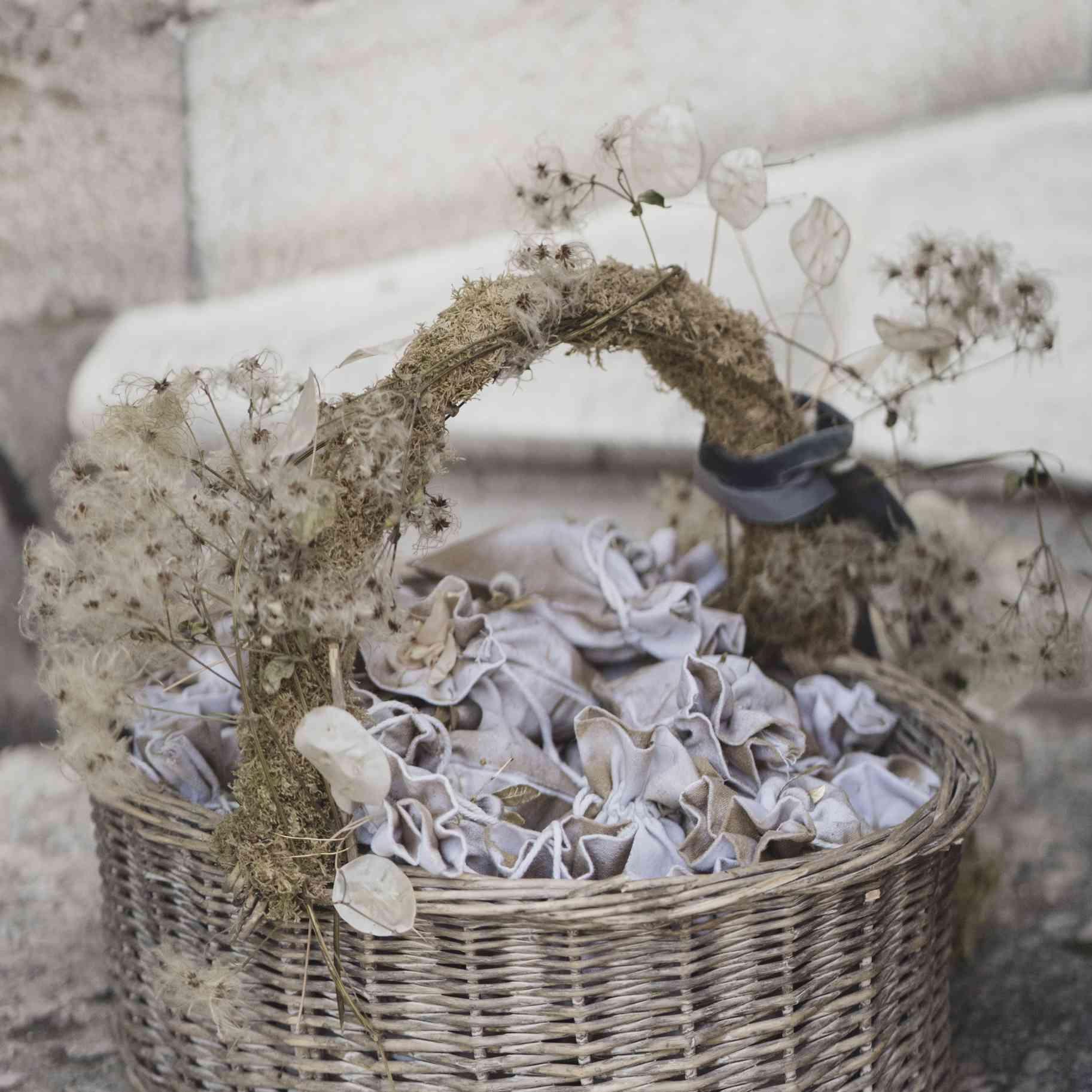 romantic lake como wedding, basket of flower petals