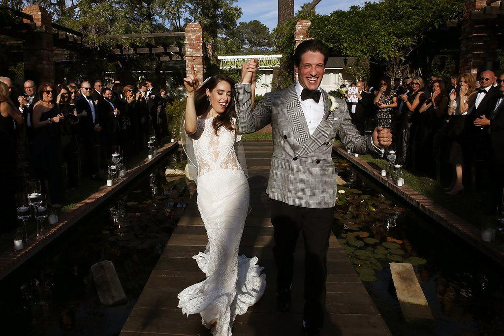 minimalist california wedding, bride and groom recessing