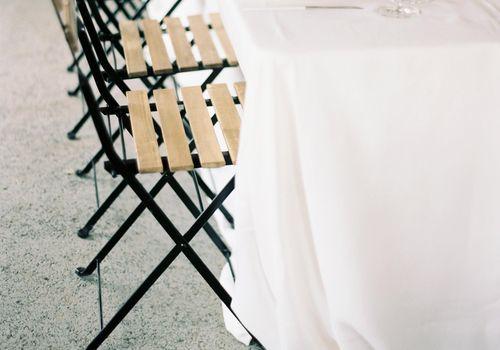 <p>table setting</p>