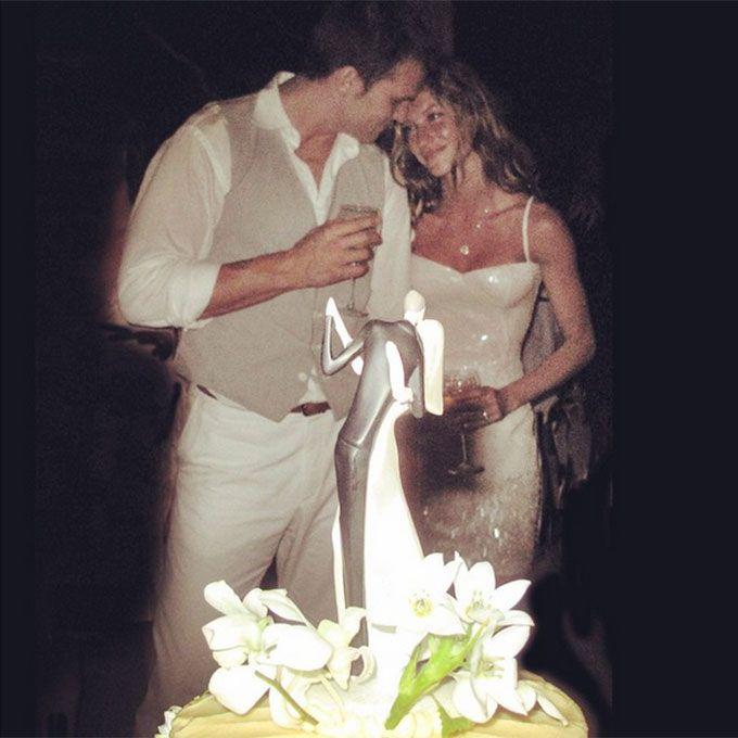 Gisele Bundchen marries Tom Brady in a body-skimming sheath, 2009
