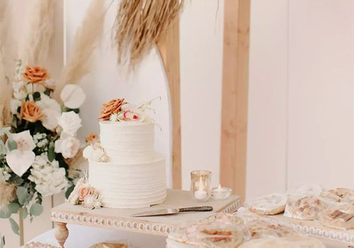 Cake table with cookies