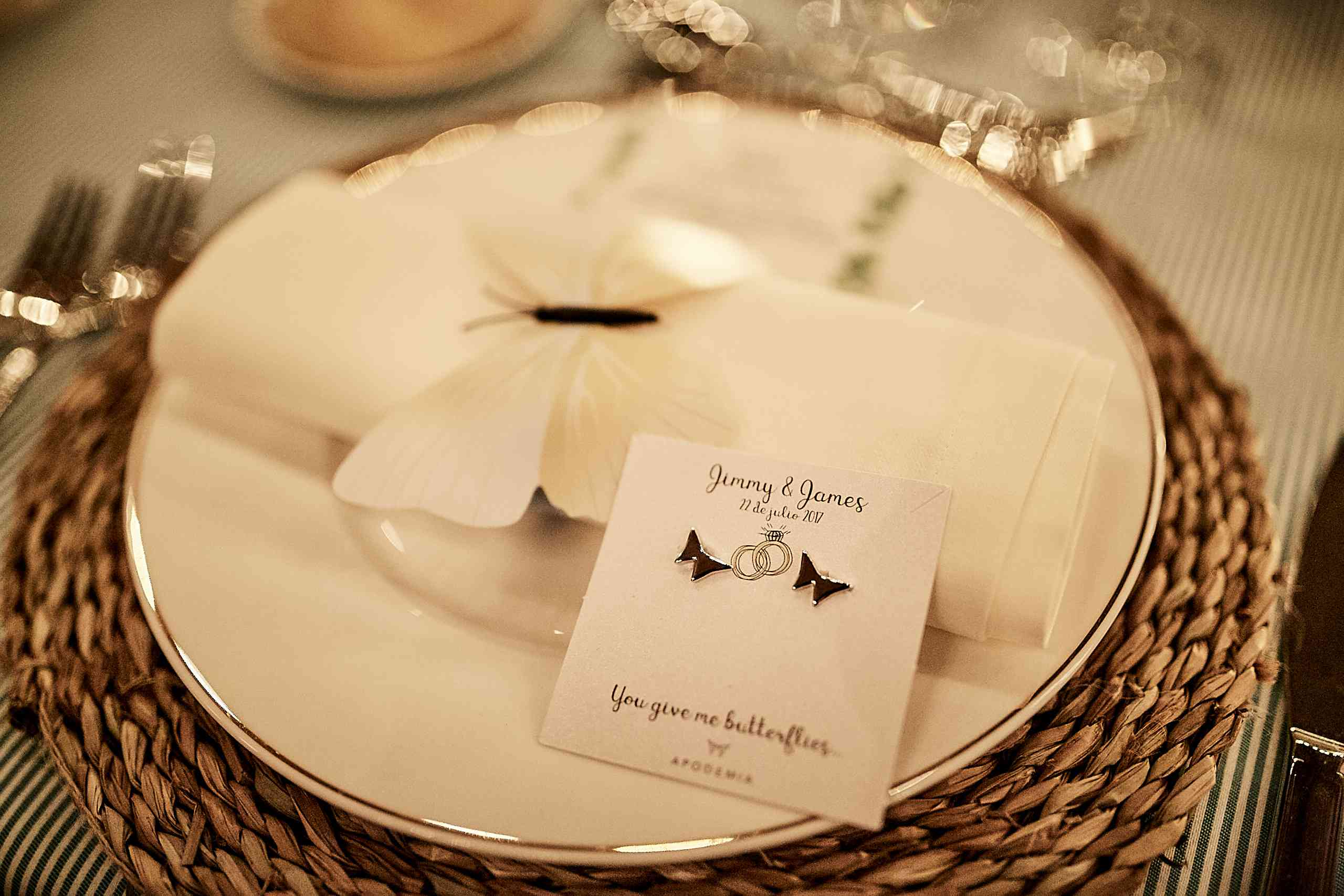 <p>butterfly table settings</p><br><br>