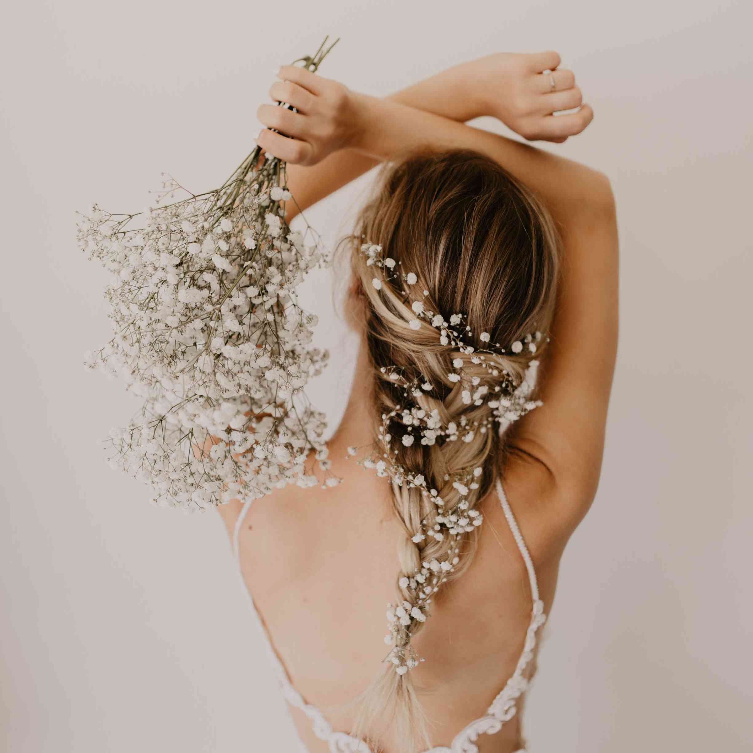 18 Beautiful Ways To Use Baby S Breath In Your Wedding Decor